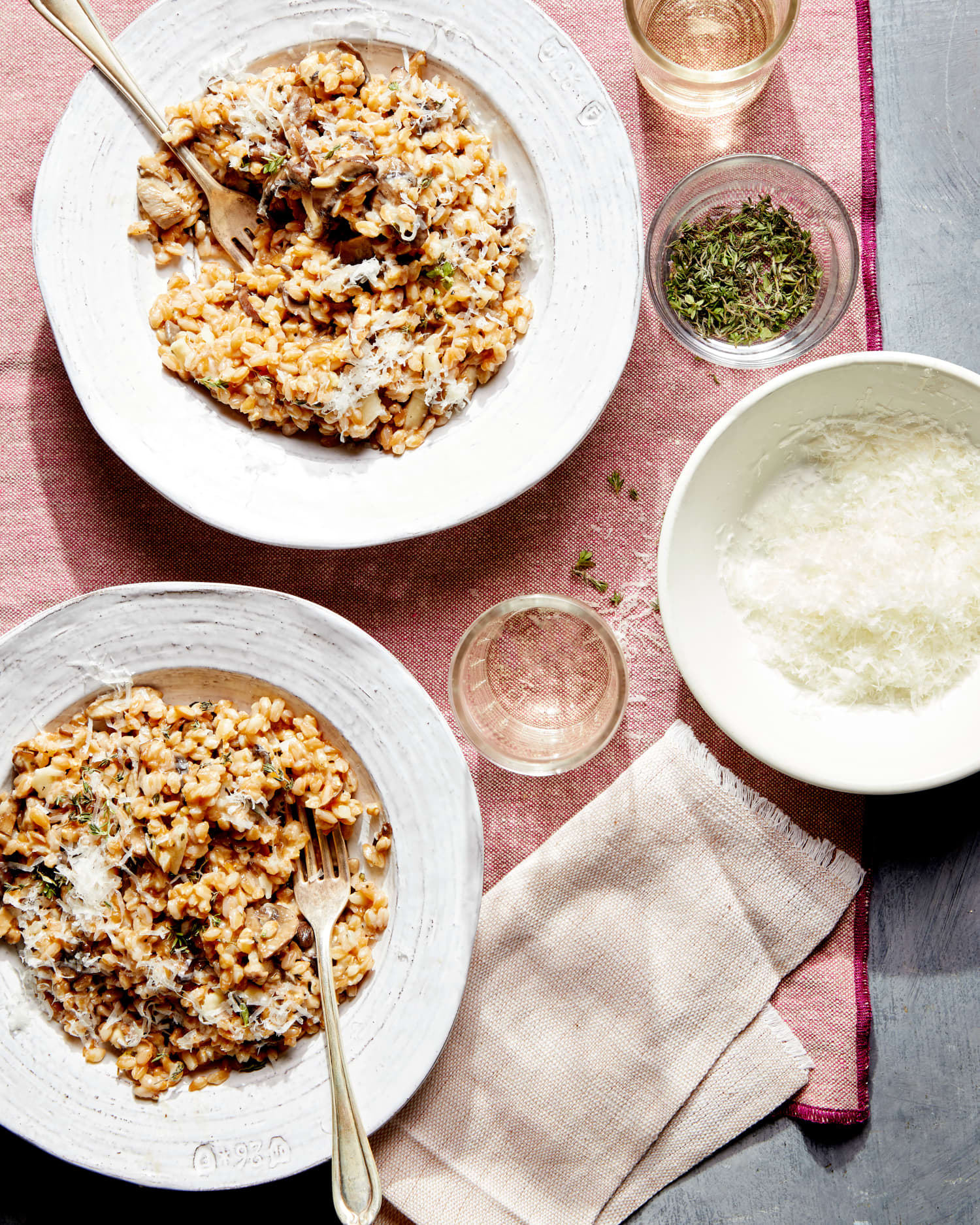 This Garlicky, Mushroom-Packed Twist on Risotto Is Deeply Comforting