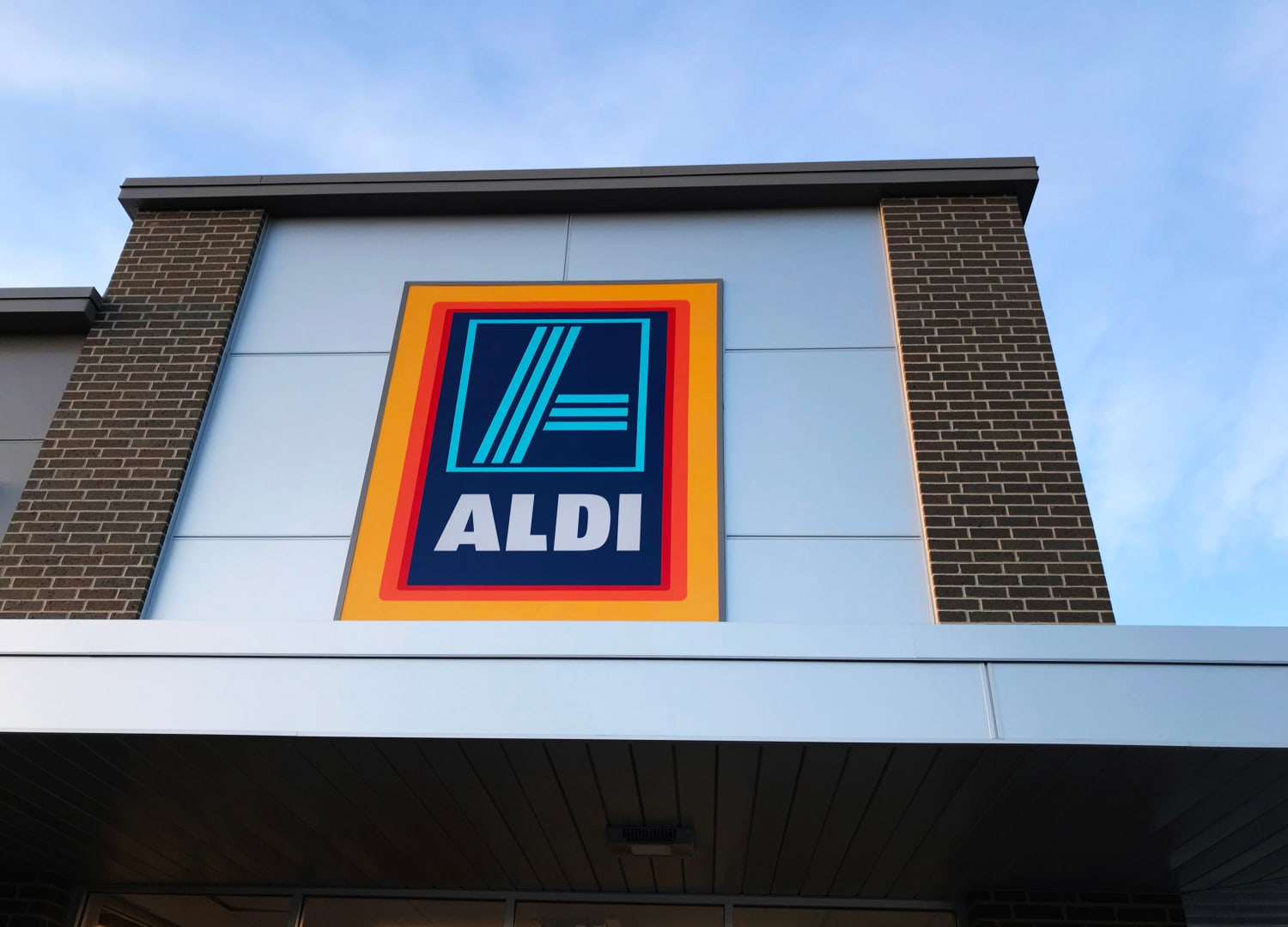 Aldi Is Going to Have Its Now-Famous Wine and Cheese Advent Calendars Again (Plus Others!)