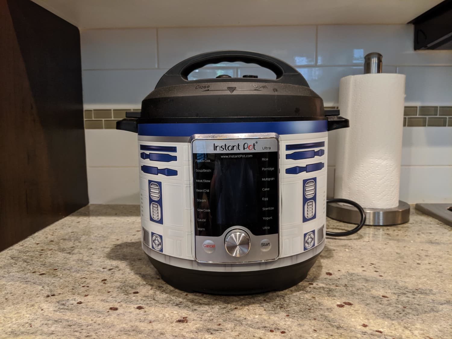Genius Person Turns Their Instant Pot into R2D2 from Star Wars
