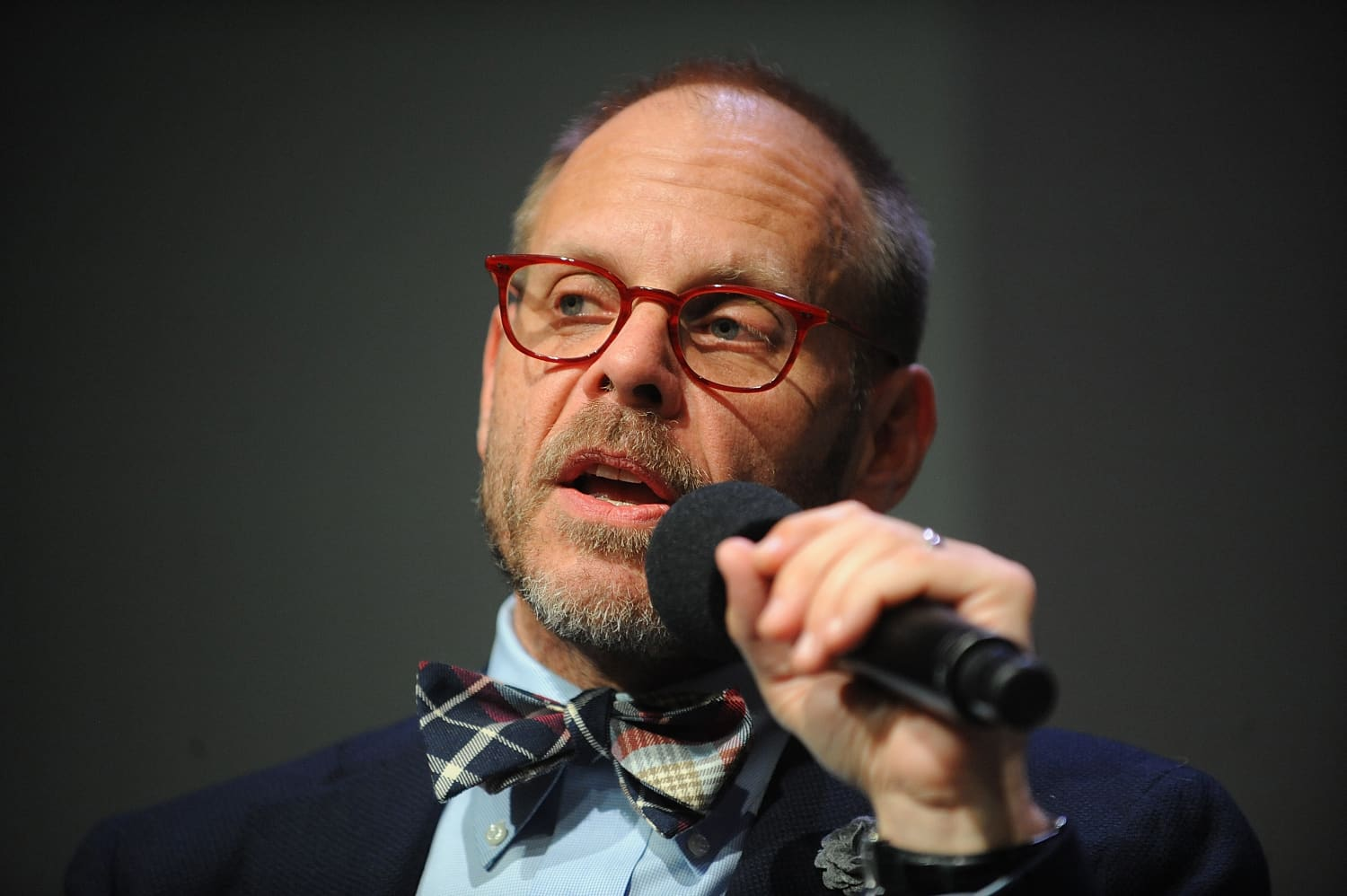 """You Can Watch the First Episode of Alton Brown's """"Good Eats: The Return"""" RIGHT NOW"""