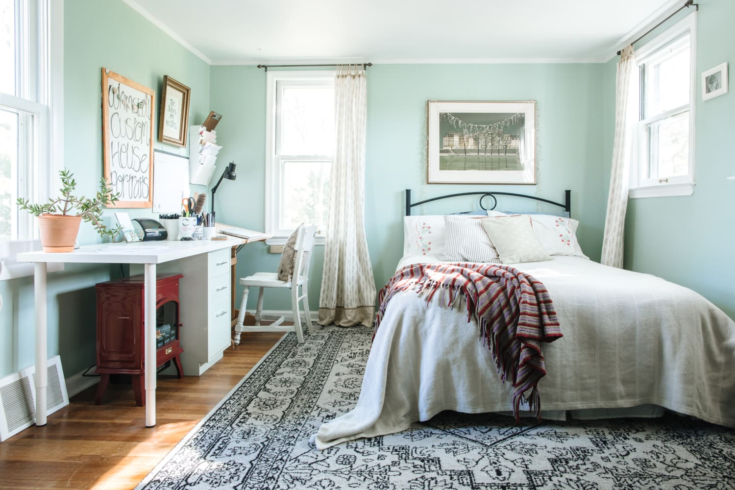 Don't Think You Can Become Someone Who Makes Their Bed Every Day? These Therapists Say Otherwise