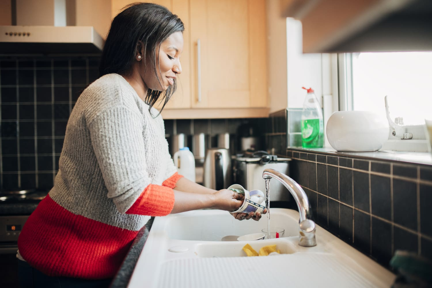 5 Little Things That'll Make Standing at Your Sink Easier on Your Back