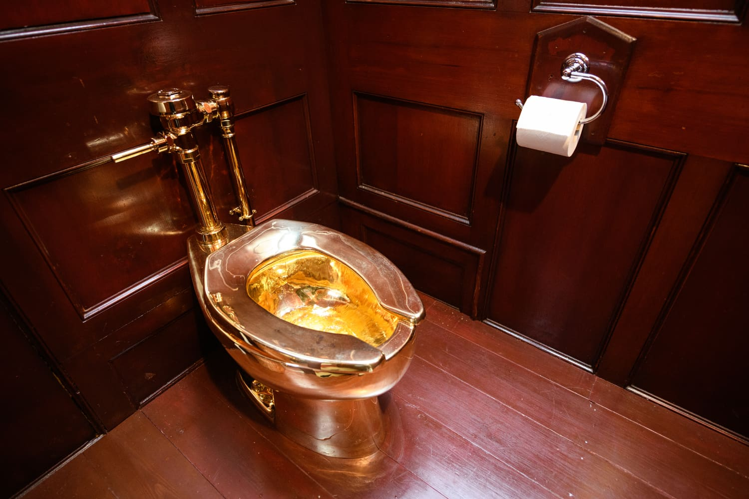Someone Has Stolen a Solid Gold Toilet Worth $5 Million