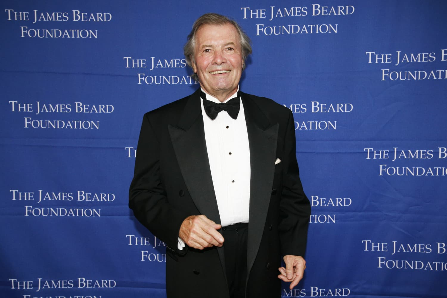 This Video of Jacques Pépin Deboning a Chicken Will Make Your Jaw Drop