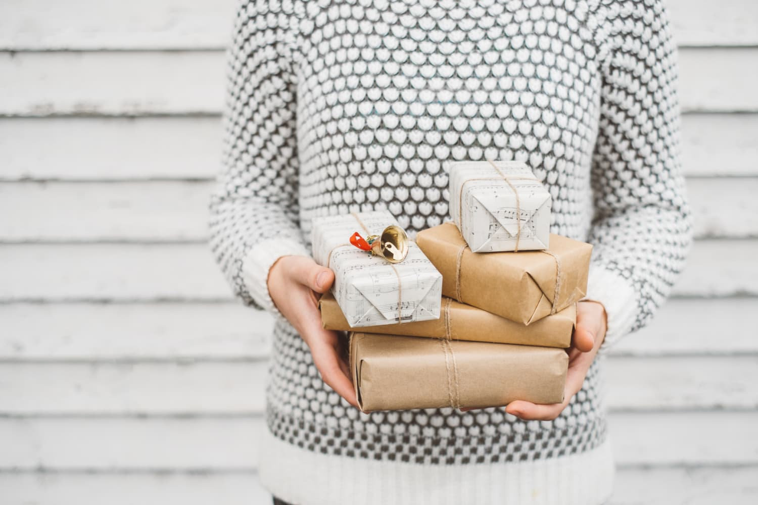 10 Holiday Gifts That Can Be Personalized and Still Arrive in Time