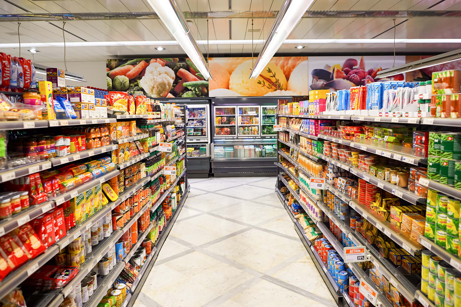 Why You Shouldn't Skip the Middle Aisles of the Grocery Store