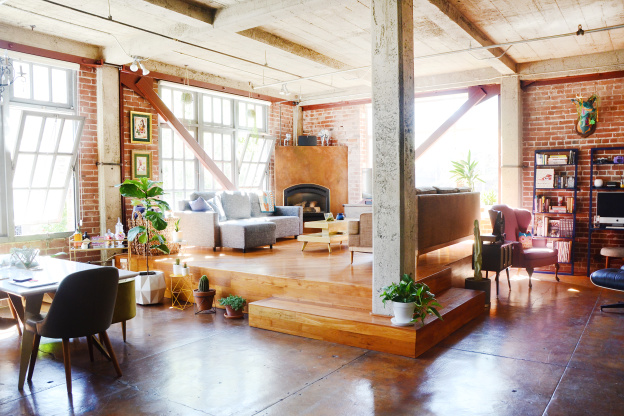 4 Easy Ways to Take Better Photos of Your Space, According to a Vrbo Expert