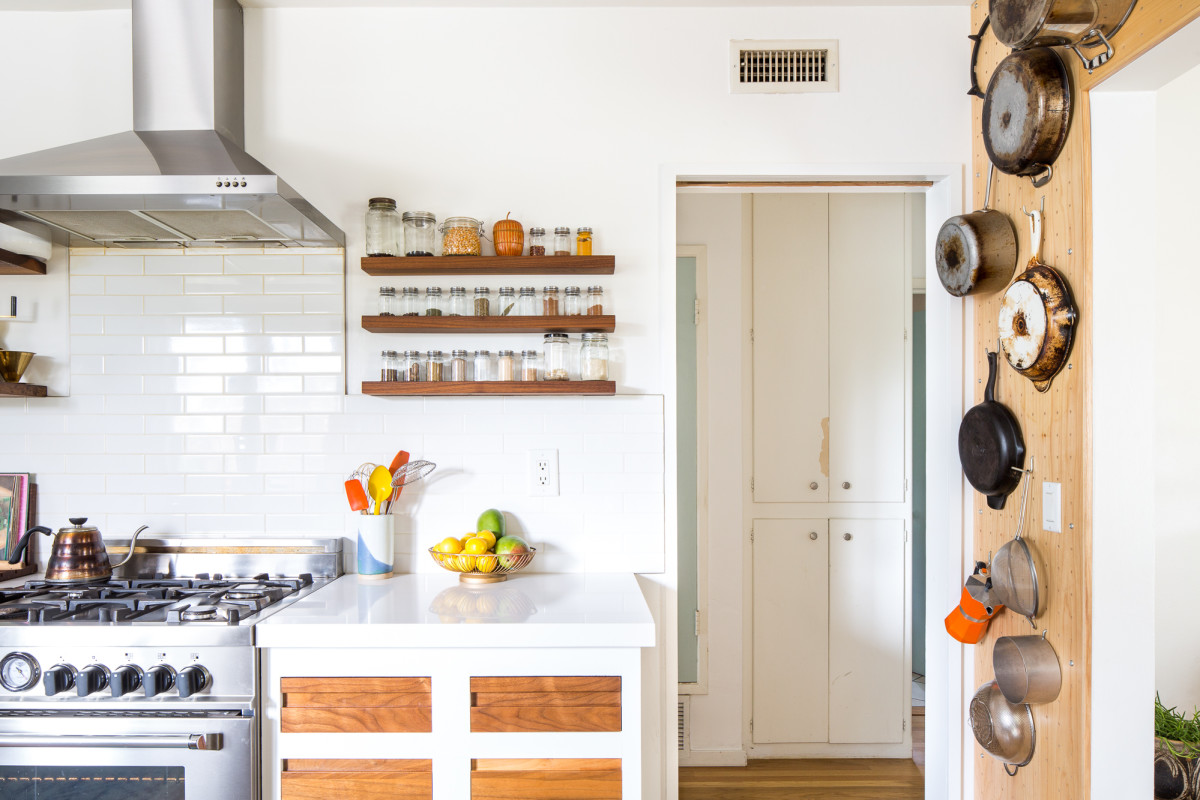 Martha Stewart Has a Brilliant (and Unexpected) Kitchen Trash Can Solution