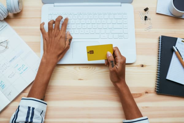 The Best Credit Cards to Get After Buying a New House