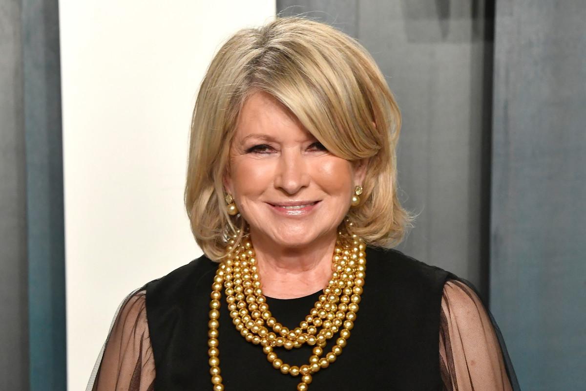 Martha Stewart's Pergola Is the Star of Her Courtyard