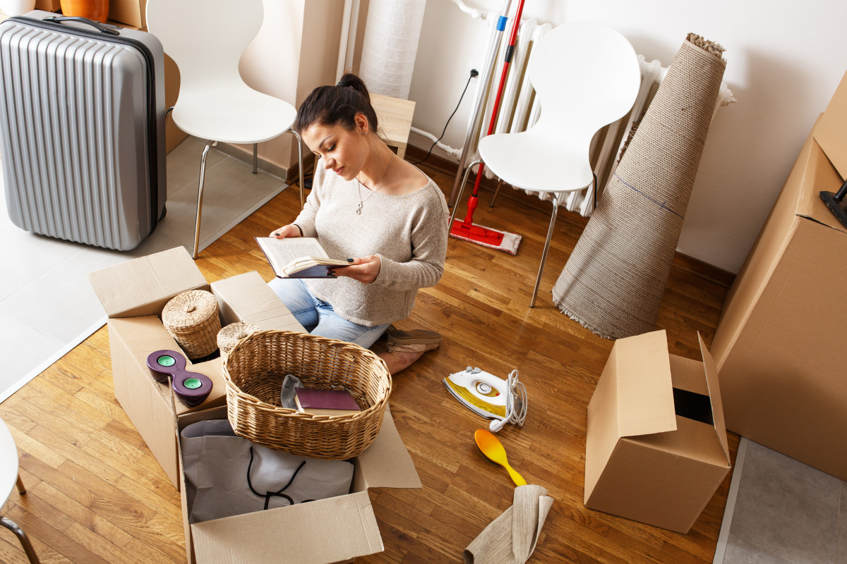 Here's How to Move out of Your Parents' House, According to a Pro Organizer