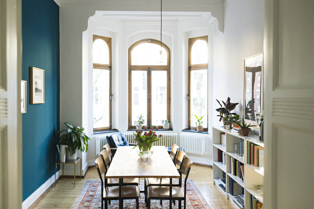 5 Paint Trends Making Your Space Feel Smaller, According to Home Stagers