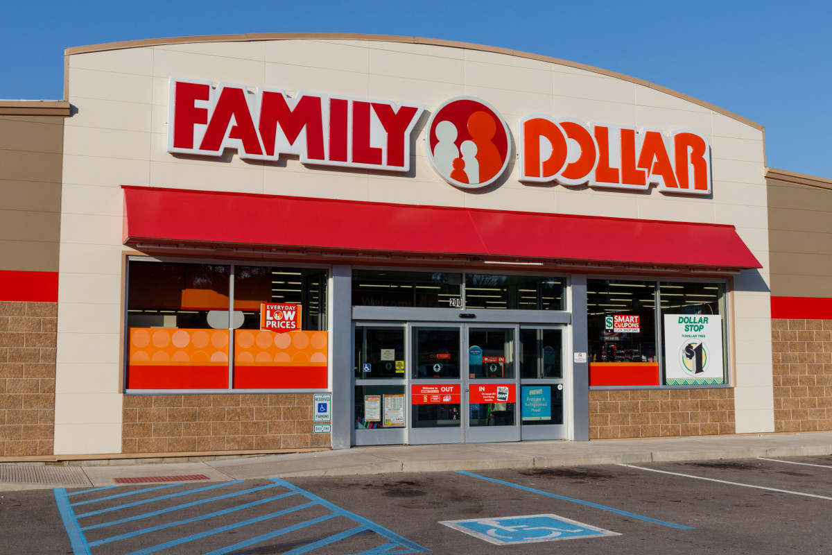 We Gave a Professional Home Stager $30—Here's What She Bought at Family Dollar