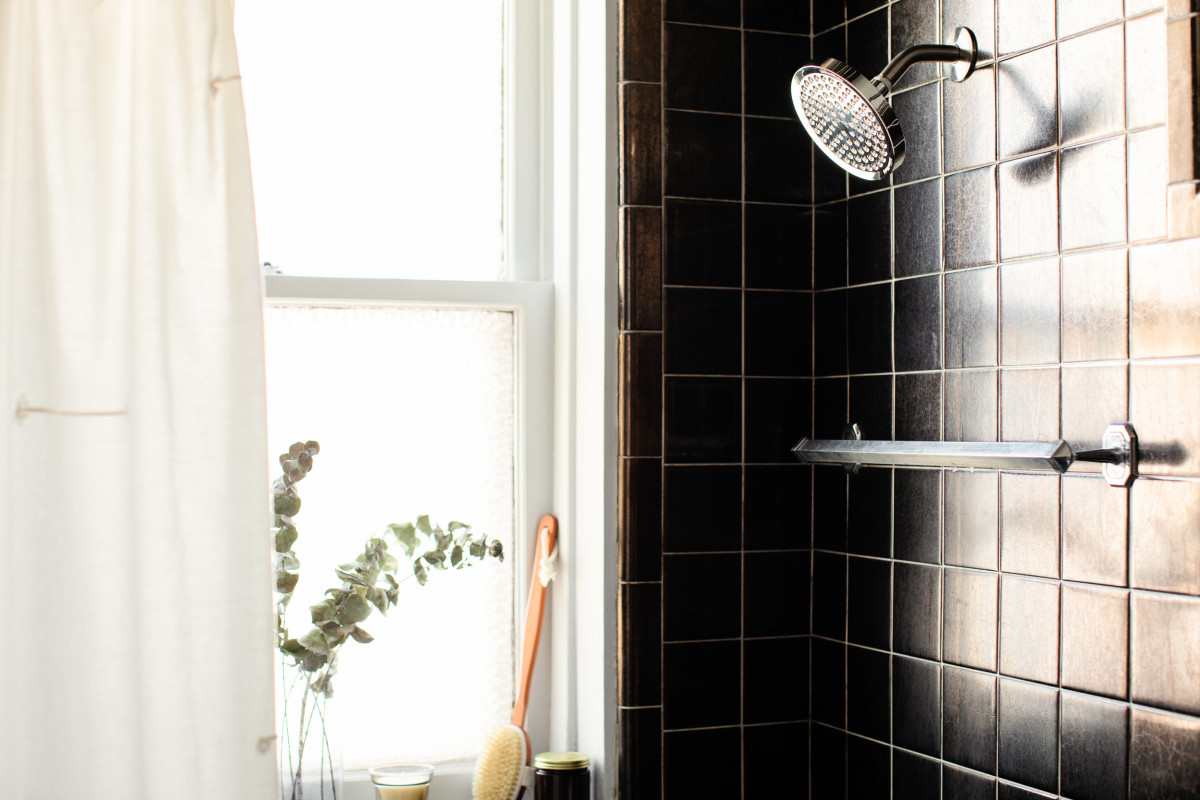 The $14 Tool That Keeps Showers Sparkling Clean (Even the Tough Corners!)