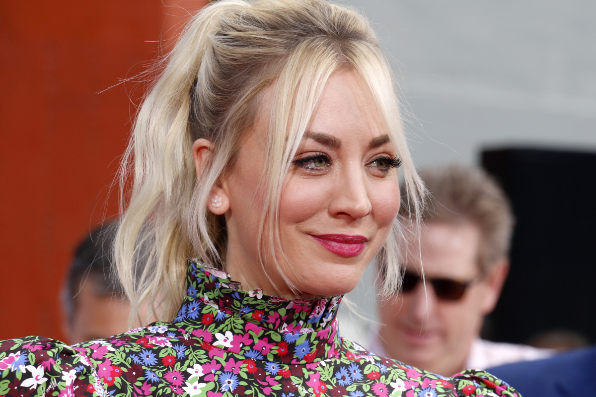Kaley Cuoco's Black-on-Black House Exterior Is Goth in the Best Way