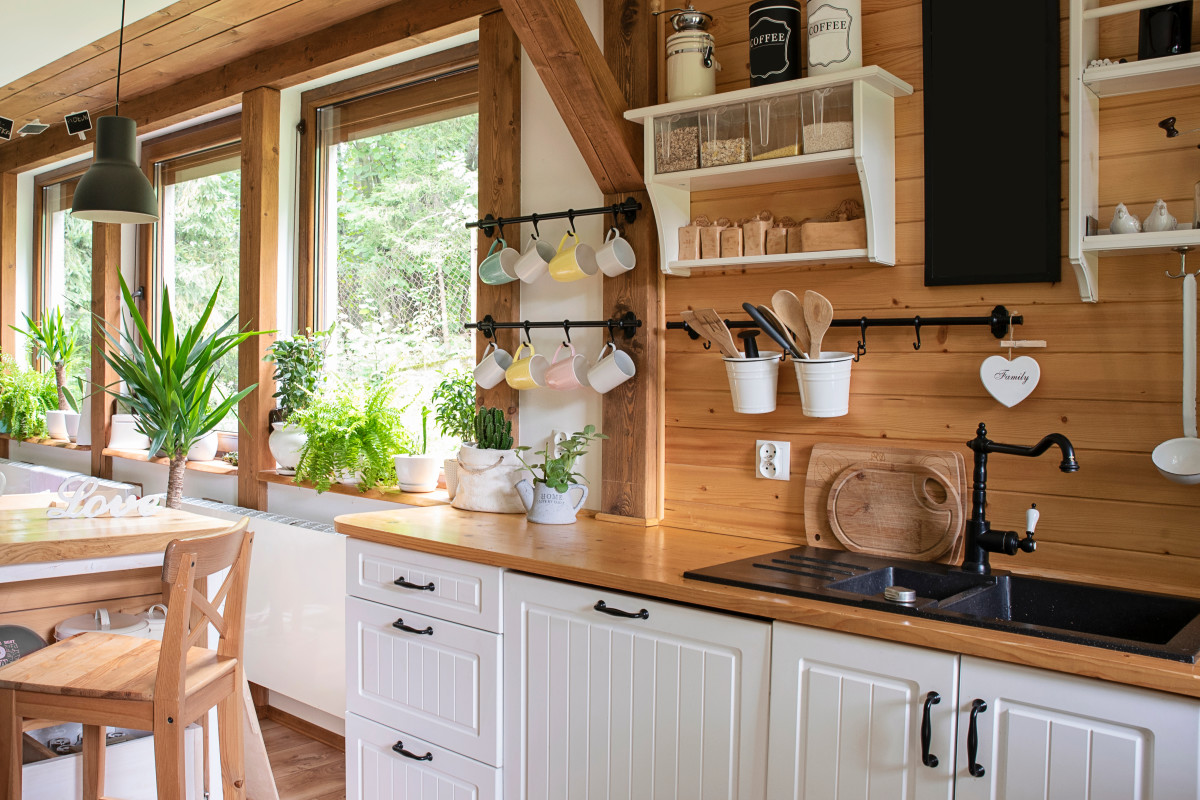 One Realtor's Secret Weapon for Finding out If a Kitchen Will Need Work in 5 Years