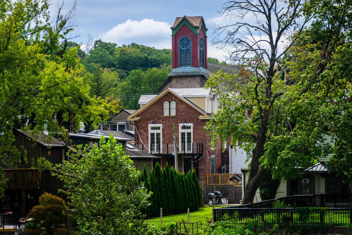 4 Lively Suburbs of Philadelphia to Move To