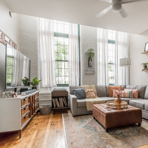 A 588-Square-Foot Modern Farmhouse-Style Condo Beautifully Blends Old and New