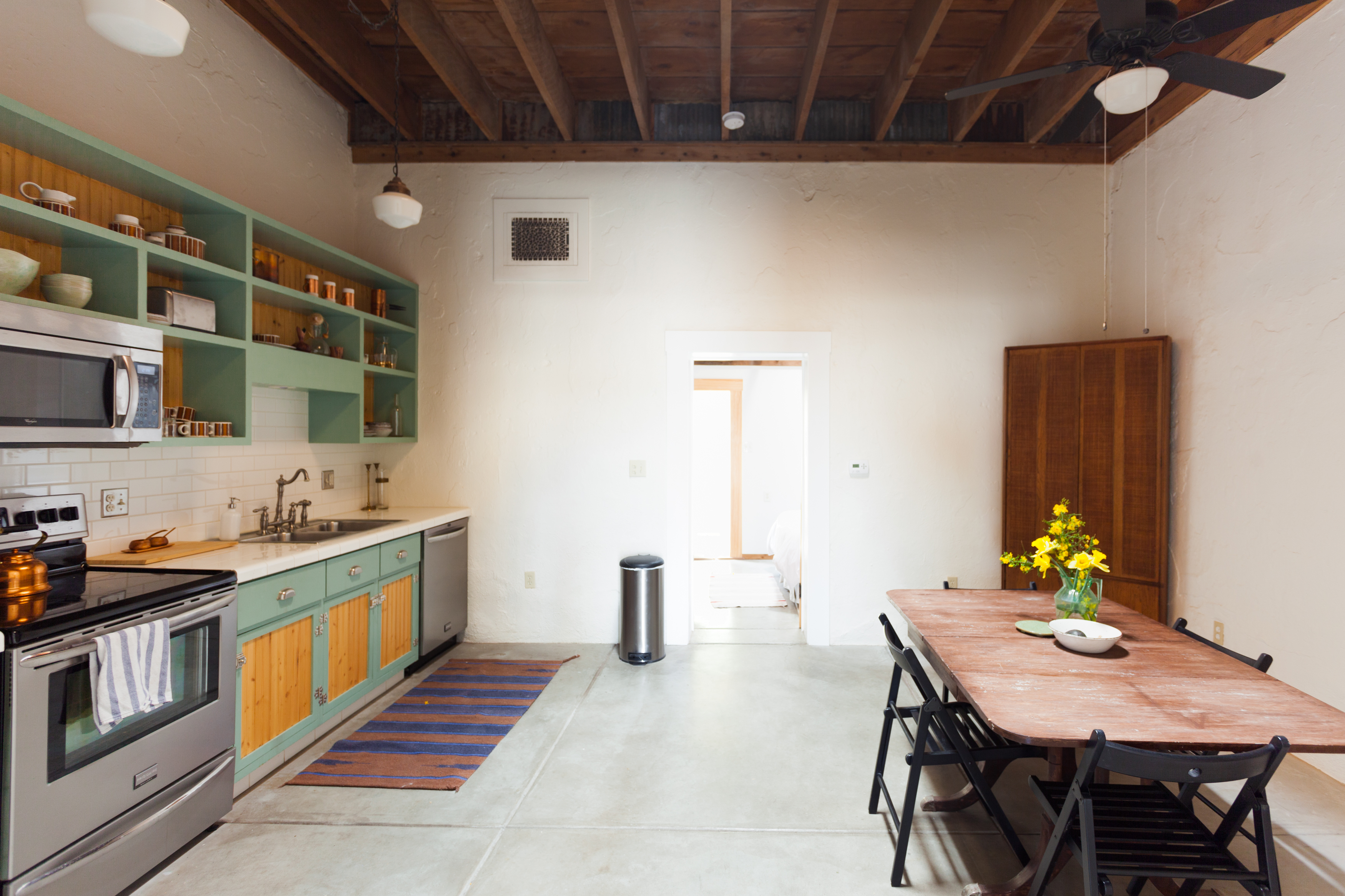 House Tour A Desert Minimalist Adobe Home In Tucson Apartment Therapy