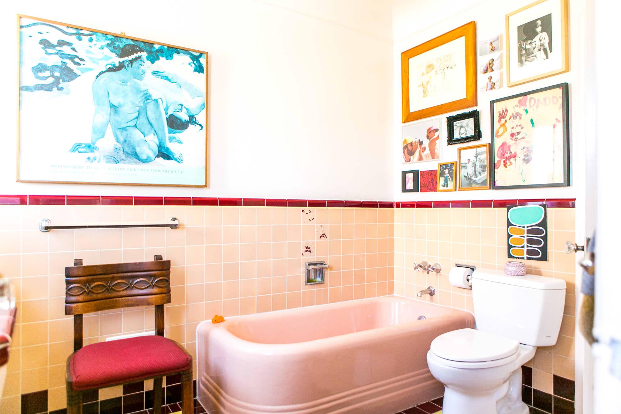 12 Retro Bathroom Ideas Cool Old Style Bathroom Photos Apartment Therapy