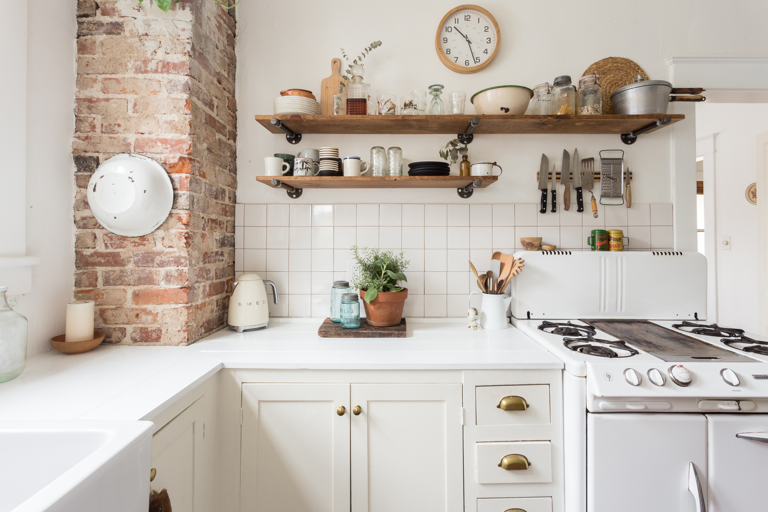 Rustic Farmhouse Kitchen Photos And Inspiration Apartment Therapy