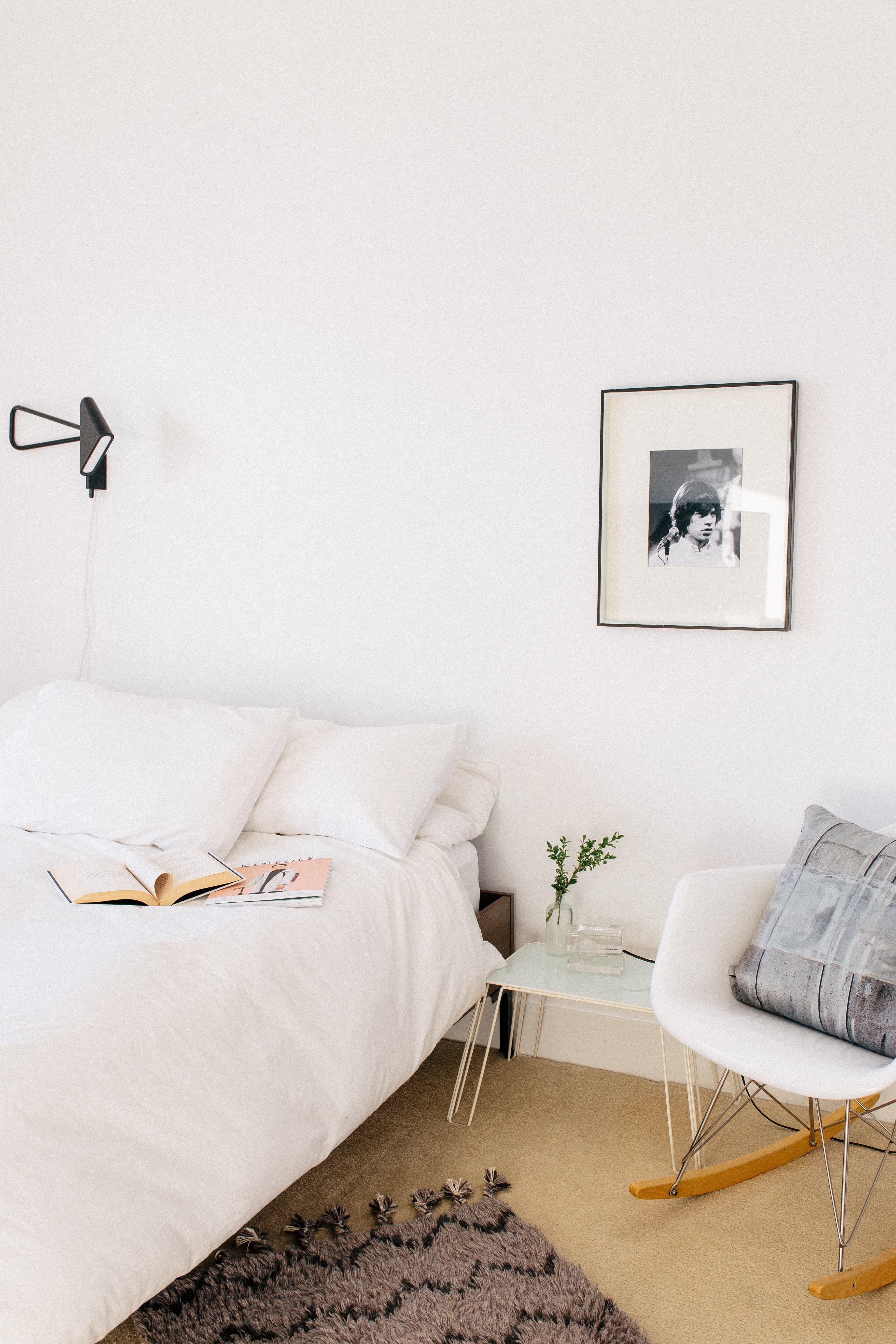 5 Minimalist Bedroom Ideas - How to Use Minimalism in Bedroom