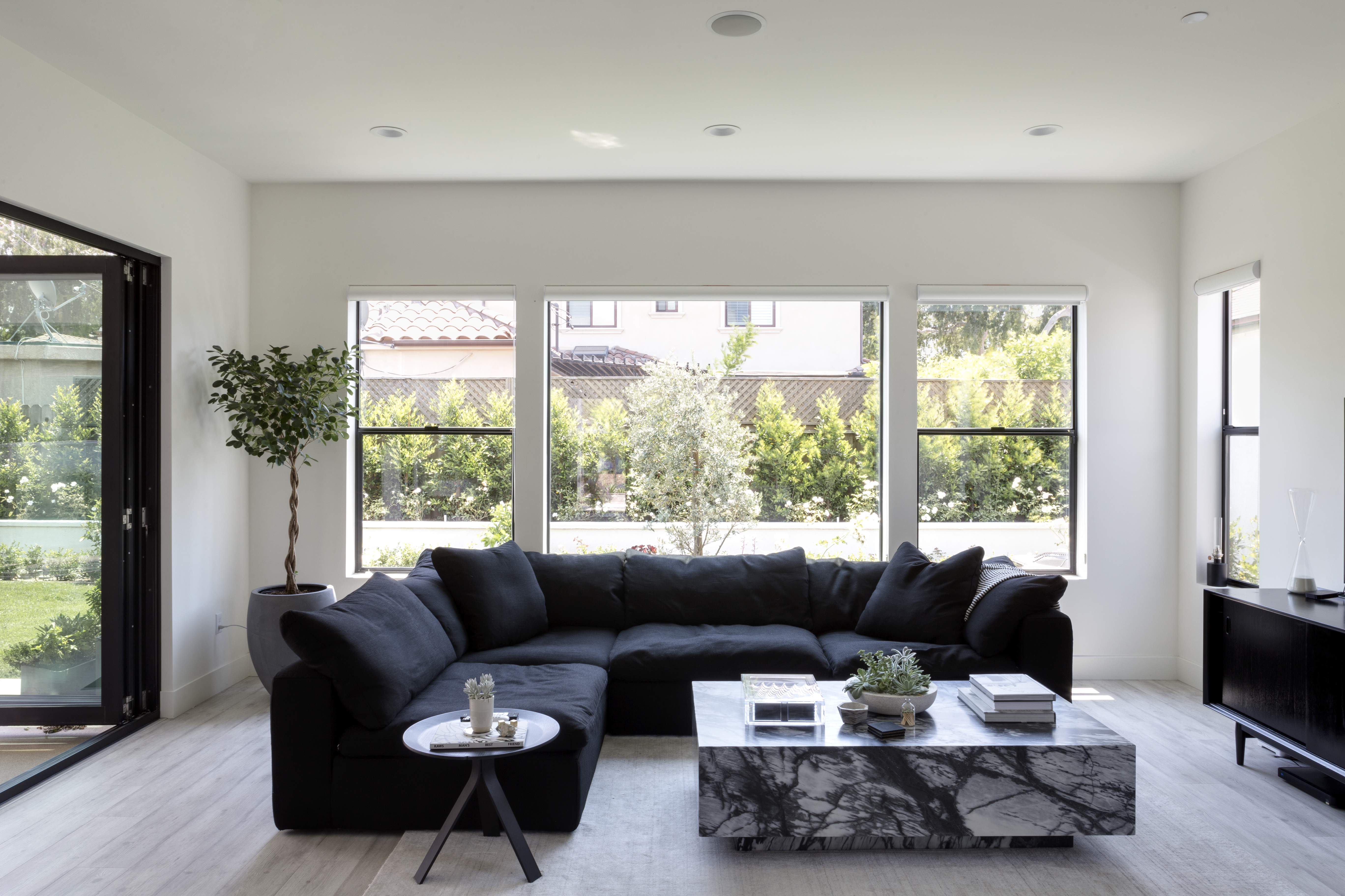 The Best Modern Living Room Decorating Ideas - Gorgeous Modern