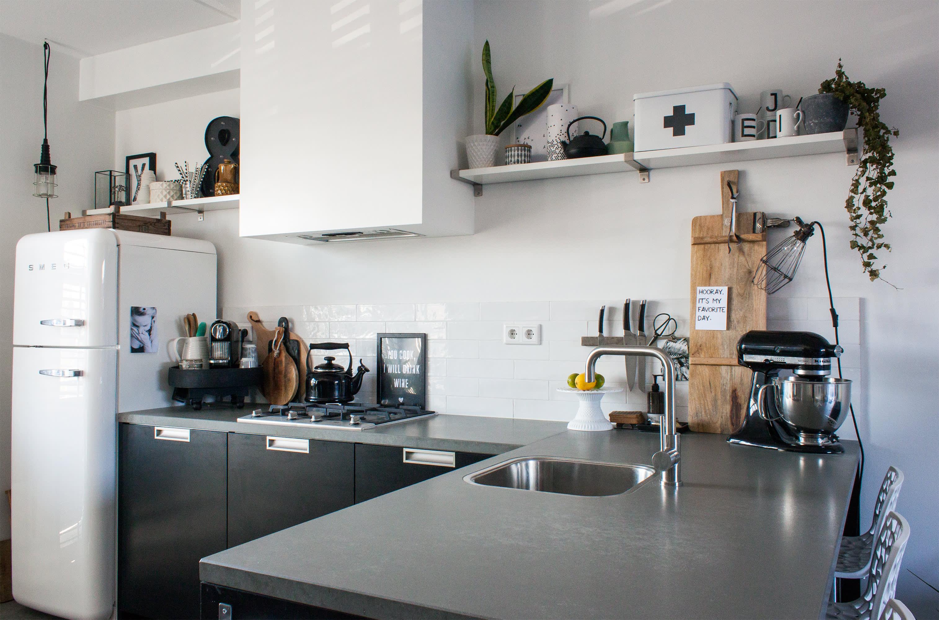 Smeg Appliances In Stylish Kitchens Apartment Therapy