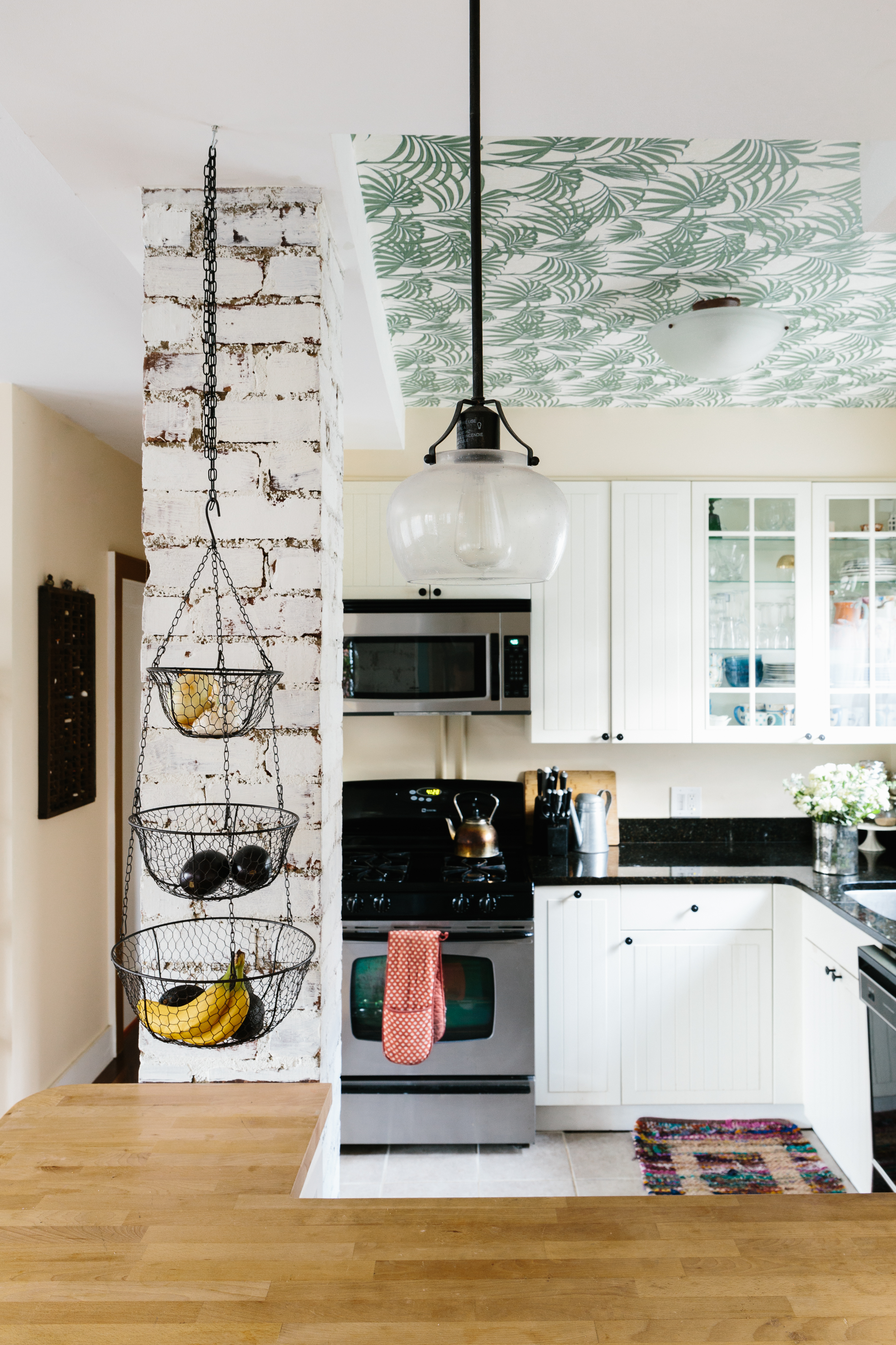 Look We Love Wallpaper On The Ceiling Apartment Therapy