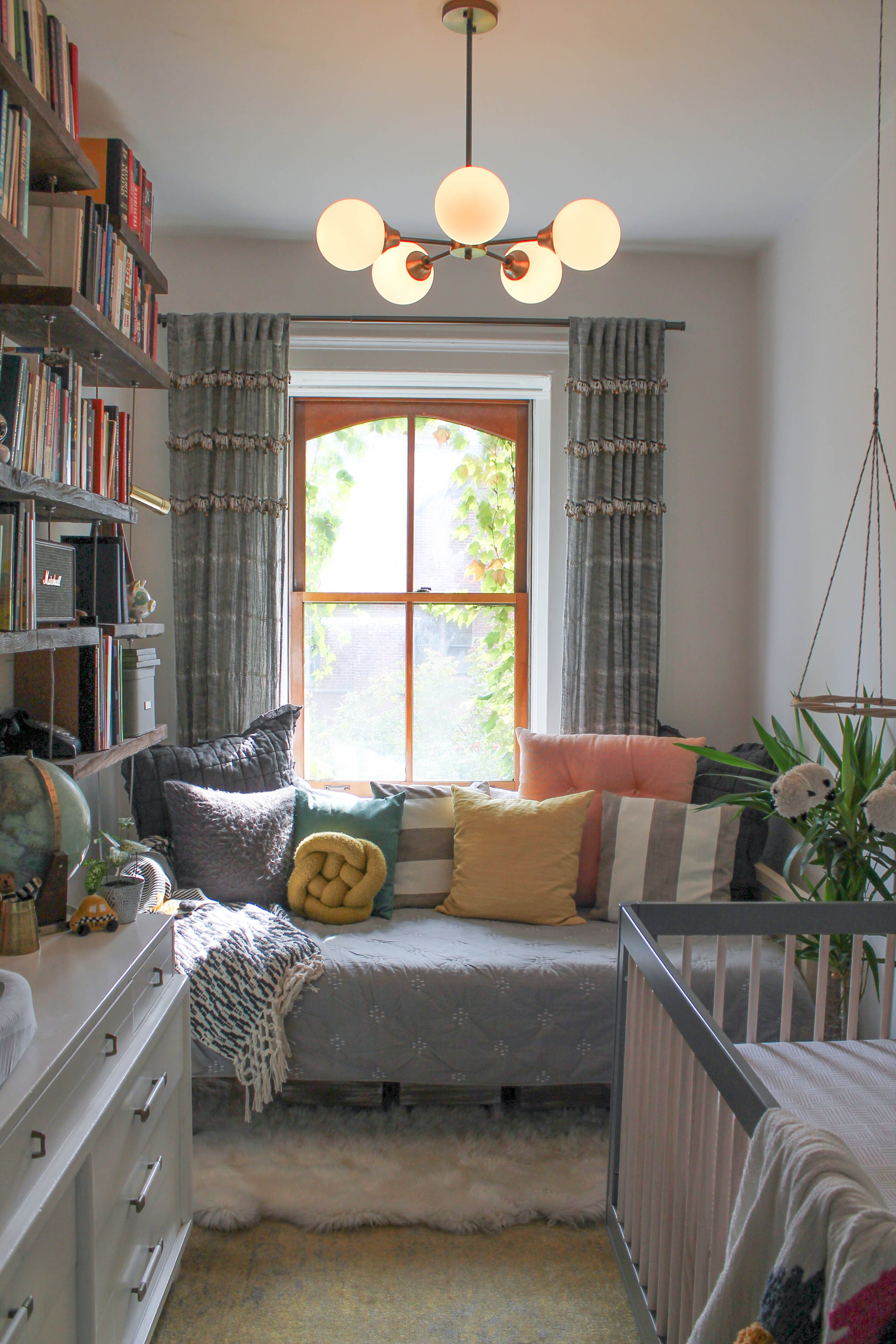 - Daybeds: The Glorious Piece Of Furniture You Should Be Using Apartment  Therapy