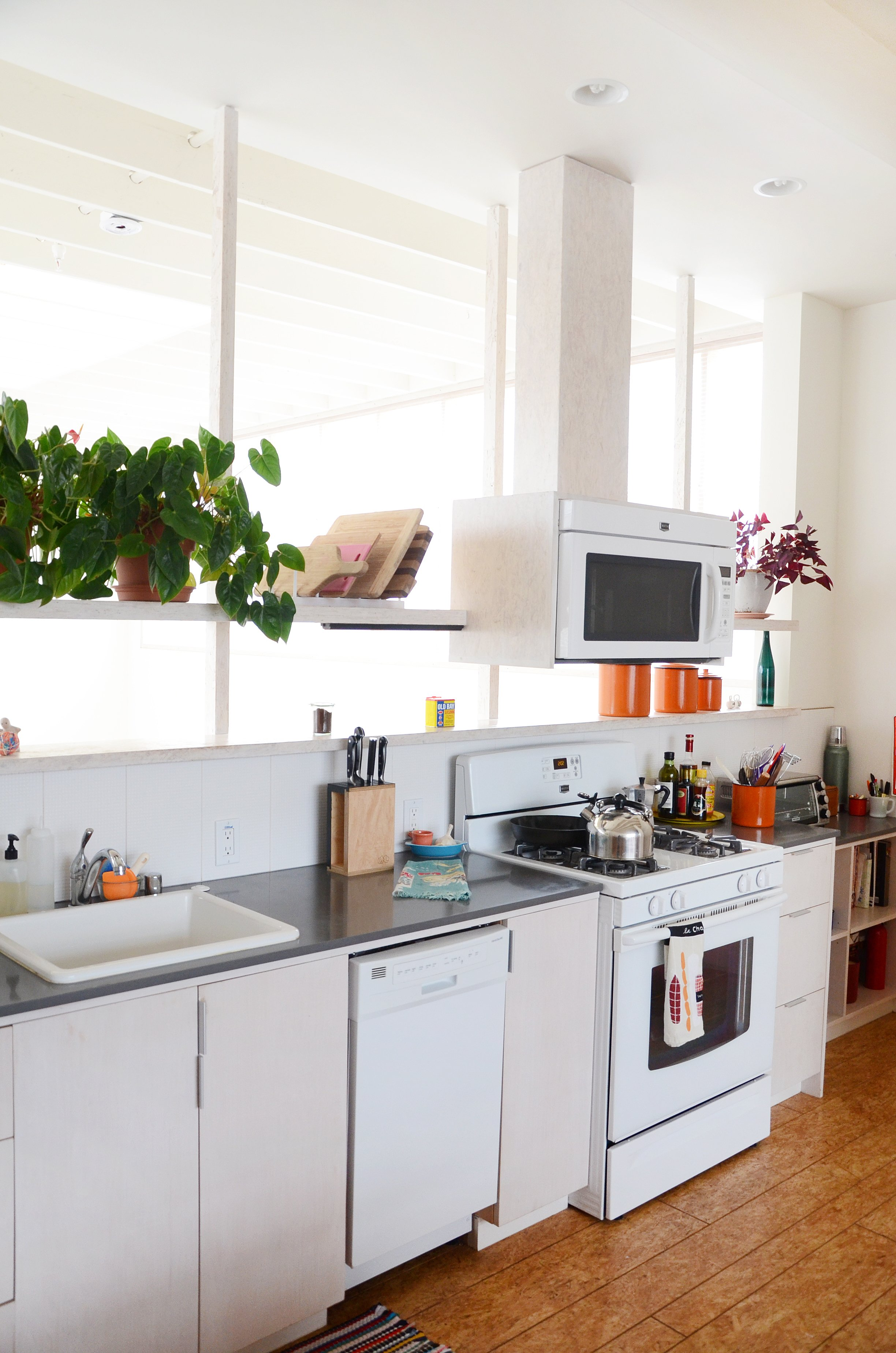 16 Best One Wall Kitchens How To Arrange A Kitchen Along One Wall Apartment Therapy