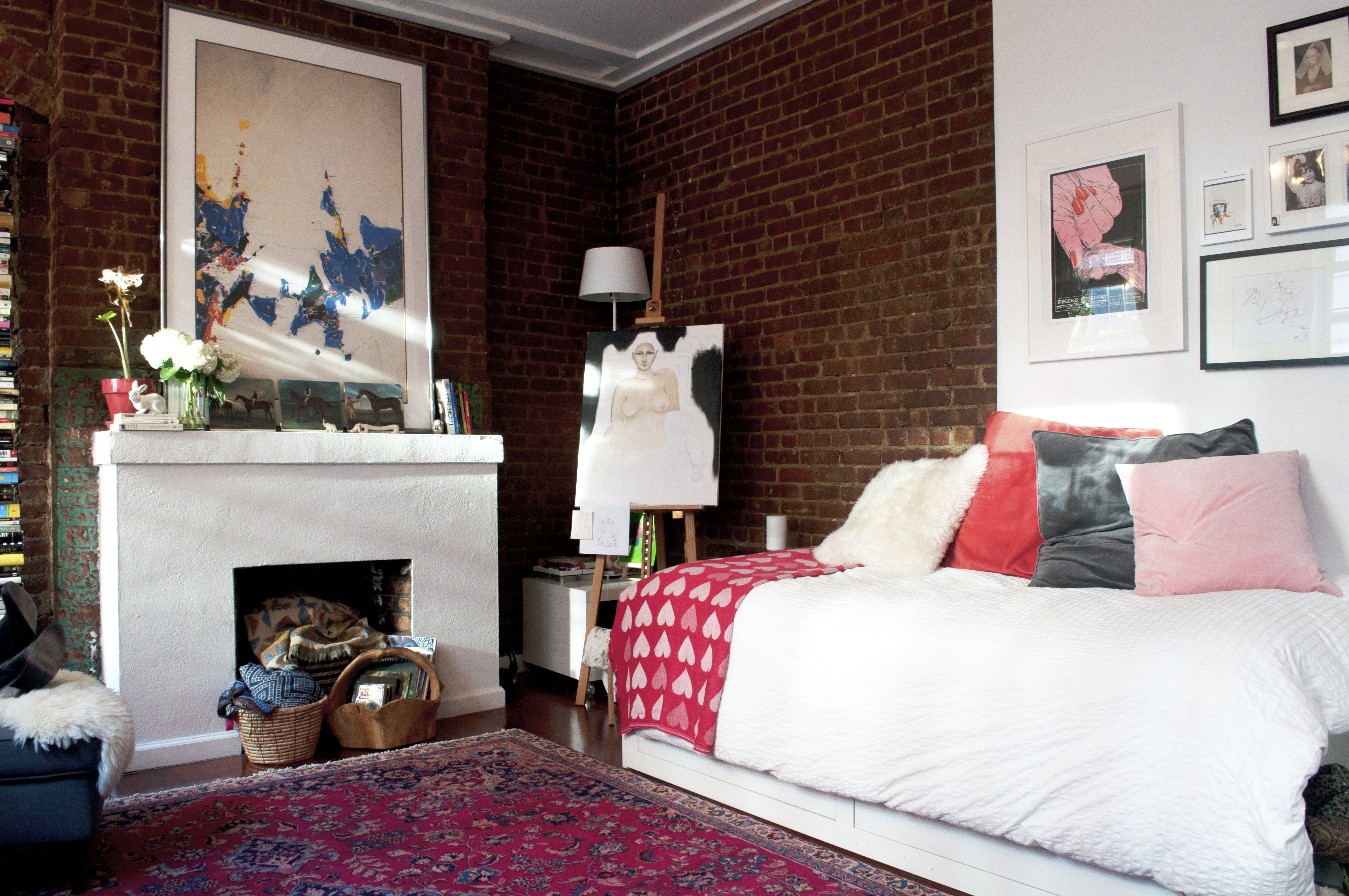 How To Arrange A Small Bedroom Small Bedroom Layout Apartment Therapy