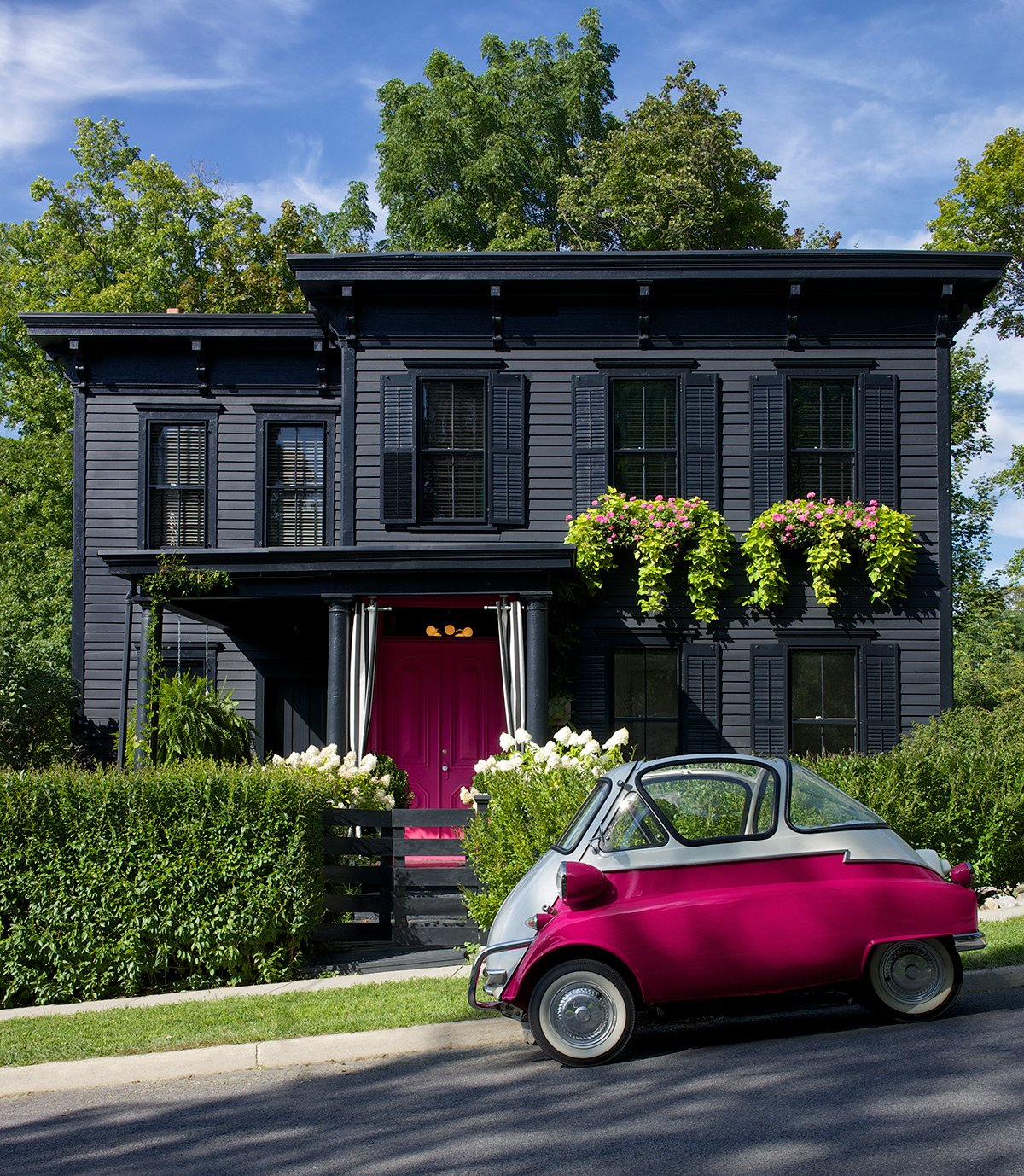 The Pros And Cons Of Dark Exterior Paint Apartment Therapy