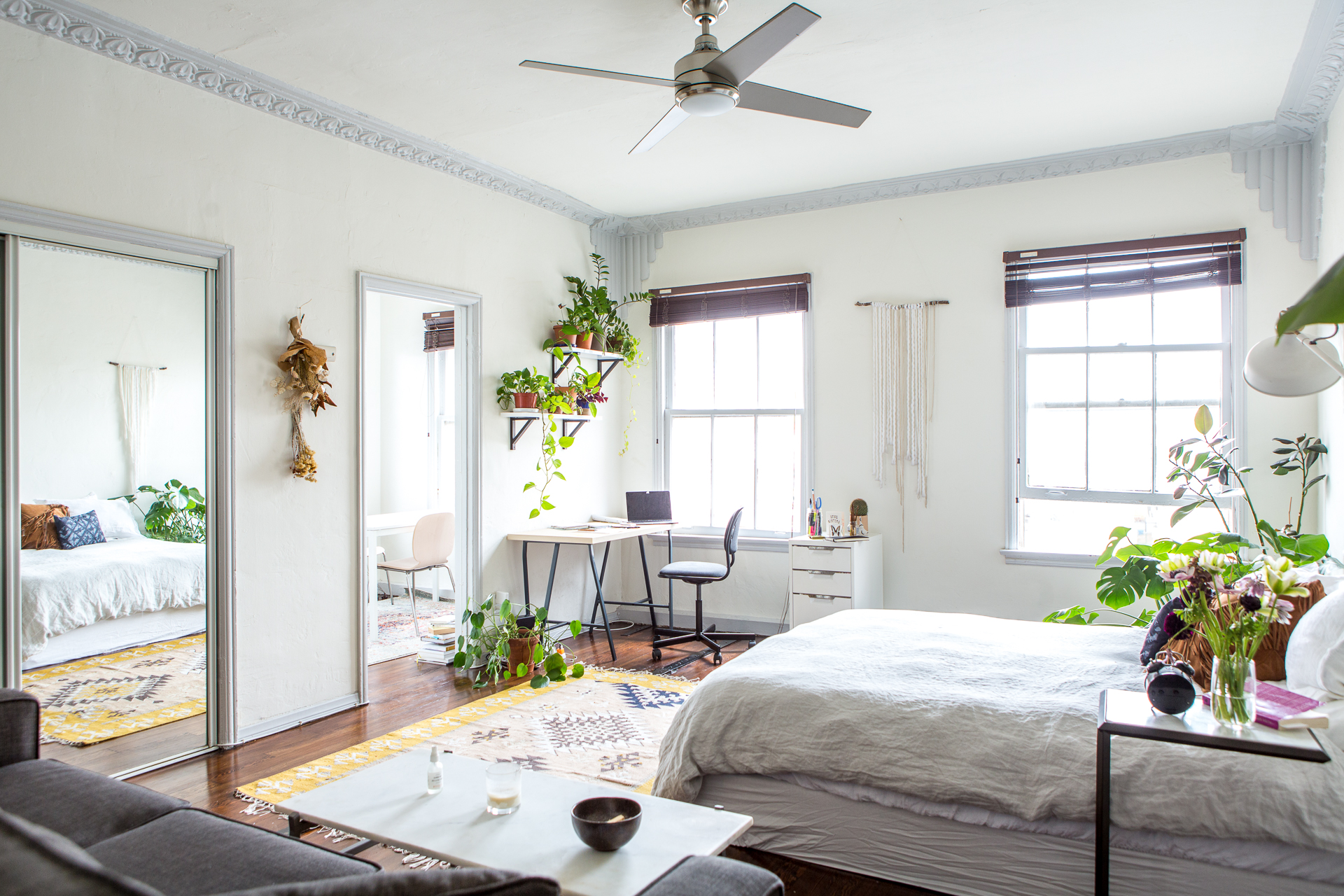 8 Clever Bedrooms That Double As Home Offices Apartment Therapy