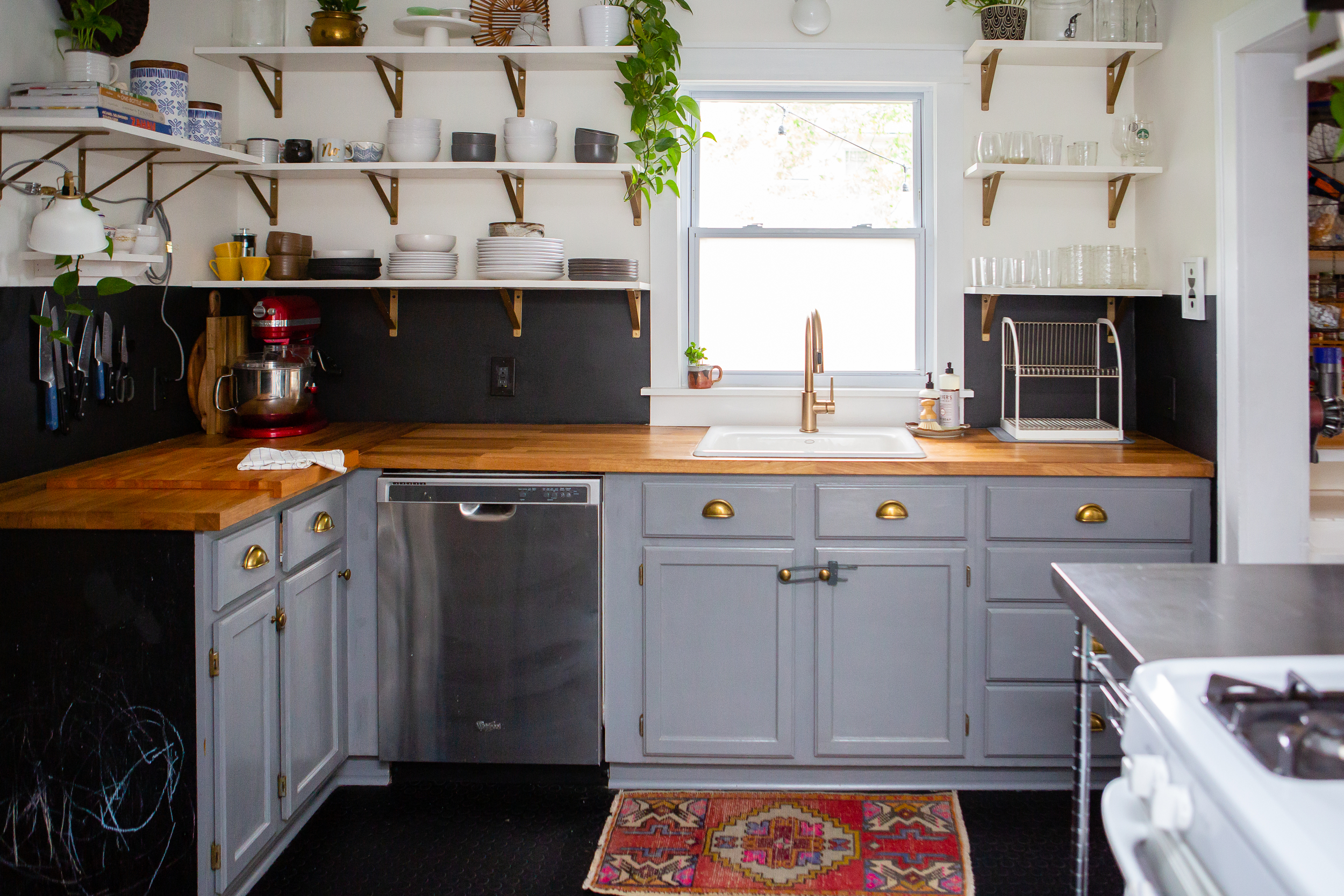20 Gorgeous Gray Kitchen Ideas How To Use Gray In Kitchens Apartment Therapy