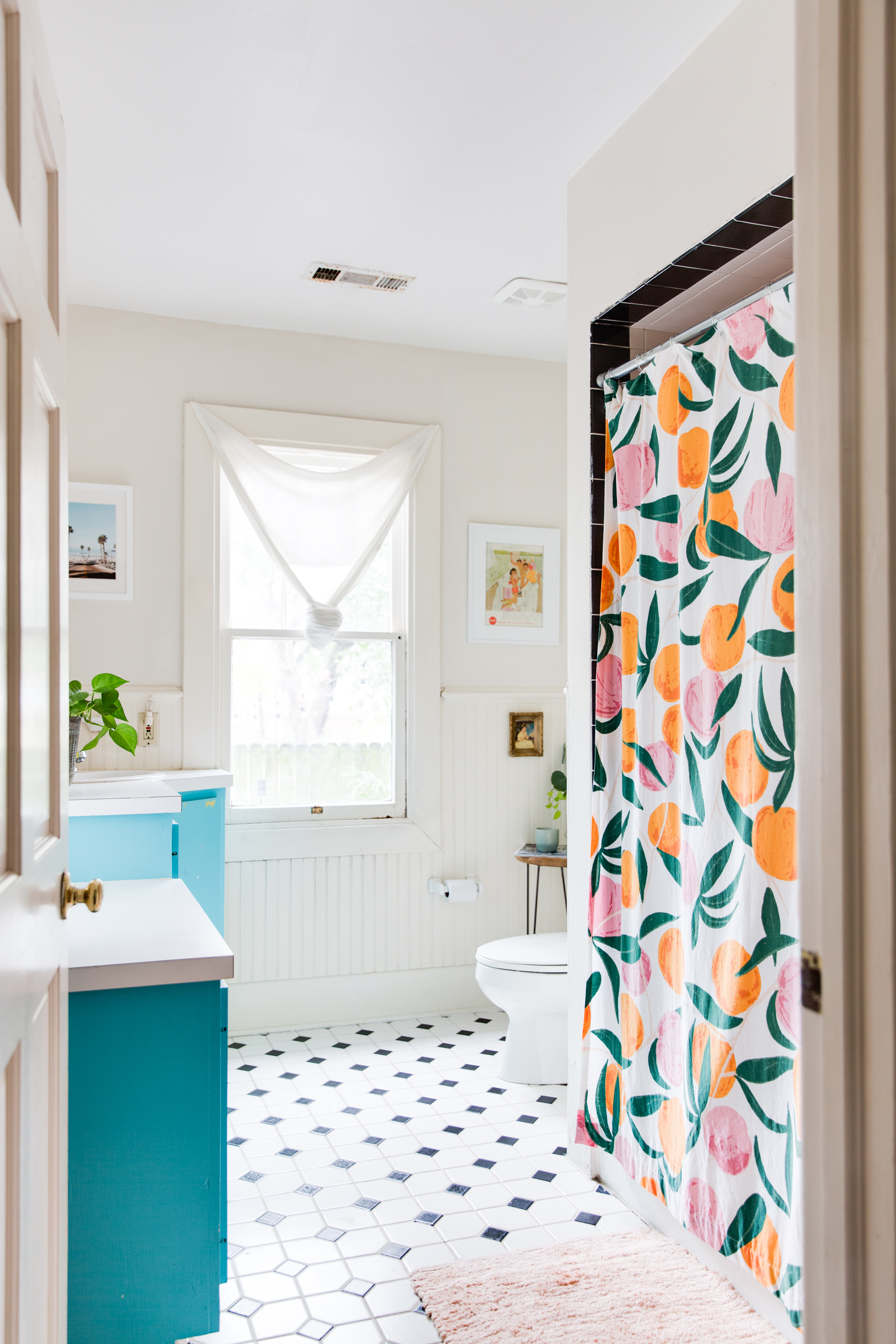 10 Bathroom Wainscoting Ideas Photos Of Pretty Wainscoted Bathrooms Apartment Therapy