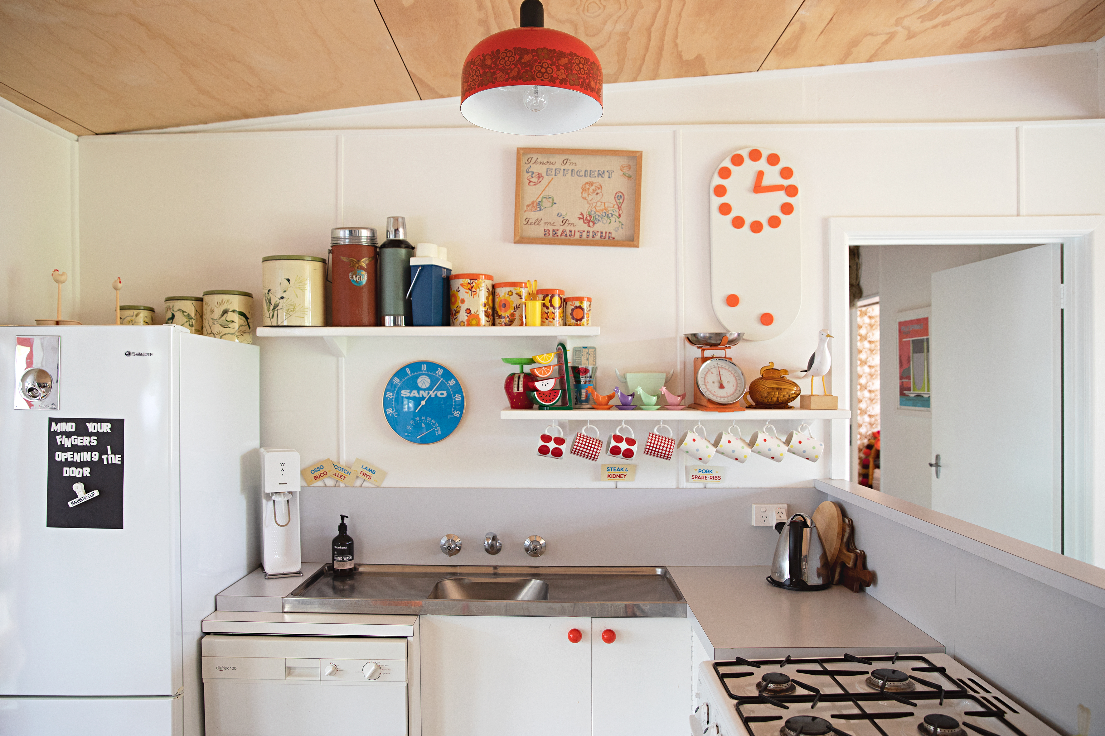 Image of: 19 Cool Retro Kitchens Fun Kitchens With Vintage Style Apartment Therapy