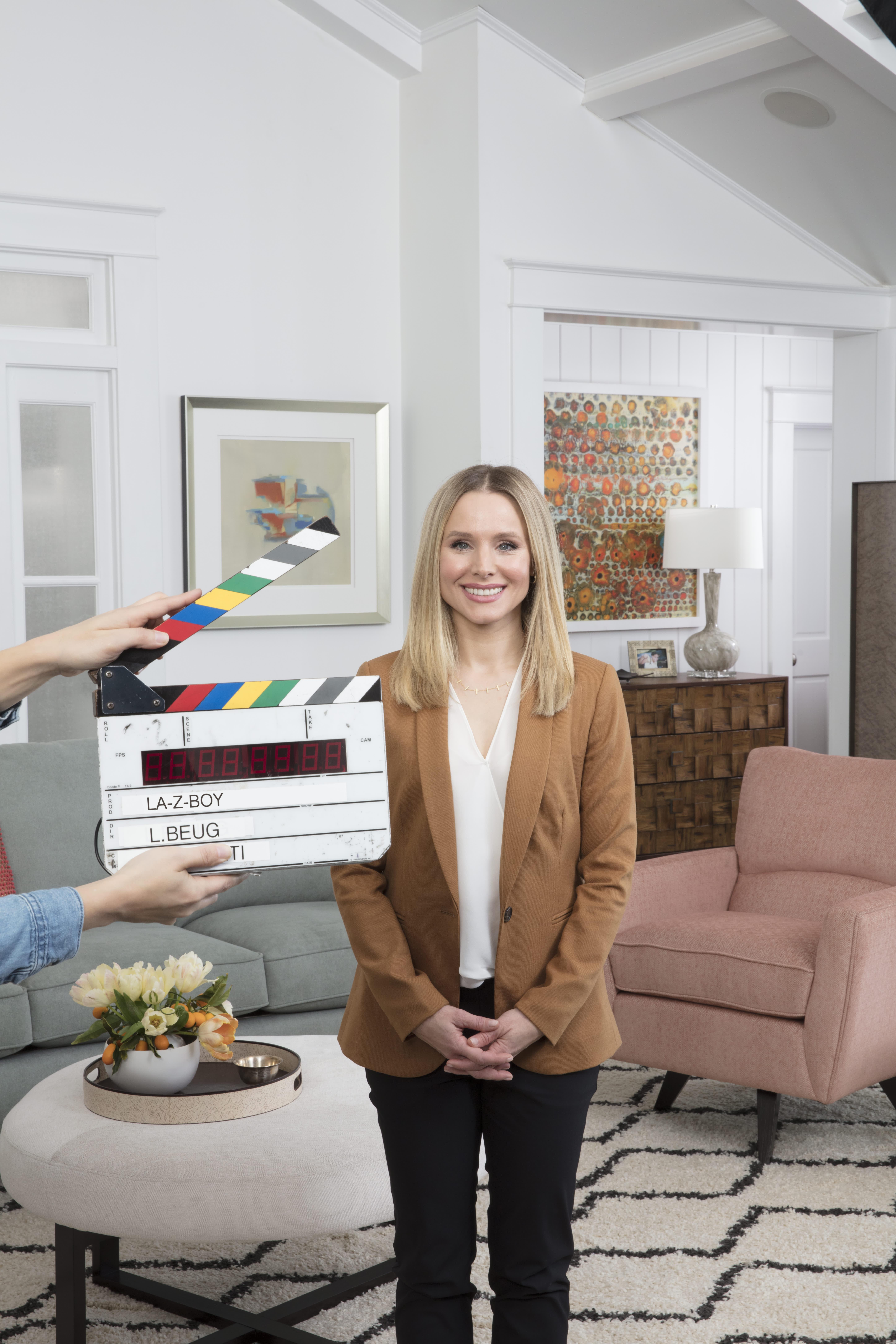 8c45806556fcc1 Kristen Bell La-Z-Boy Ambassador Commercial Recliner Fight | Apartment  Therapy