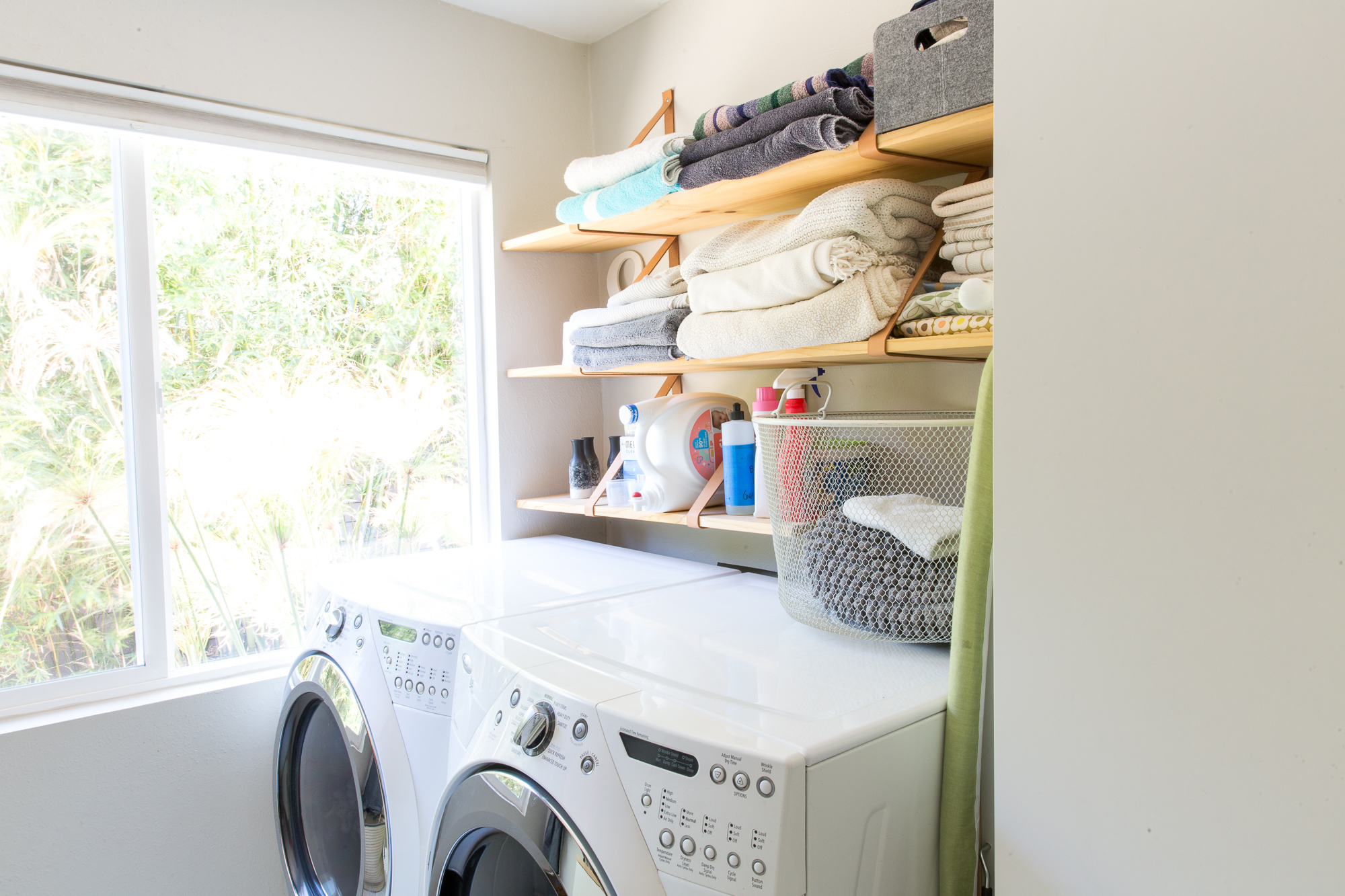 How To Make Your Clothes Smell Good In The Dryer 6 ways to get great smelling laundry without softener