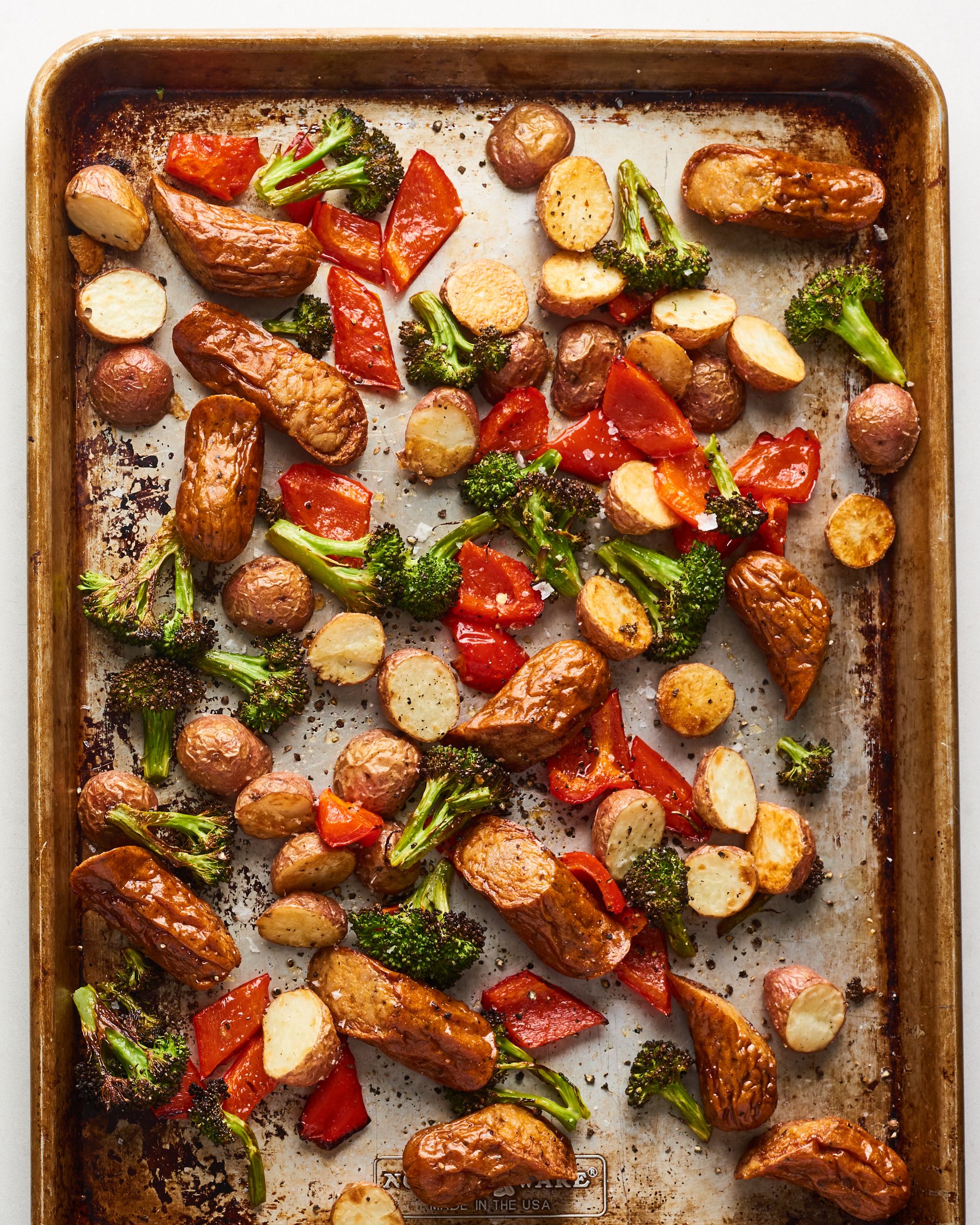 One-Pan Italian Sausage and Veggies Is a Weeknight Miracle