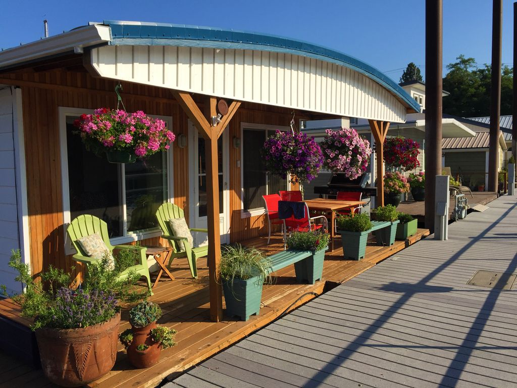 The Cutest Houseboats to Rent, Starting at $99/Night