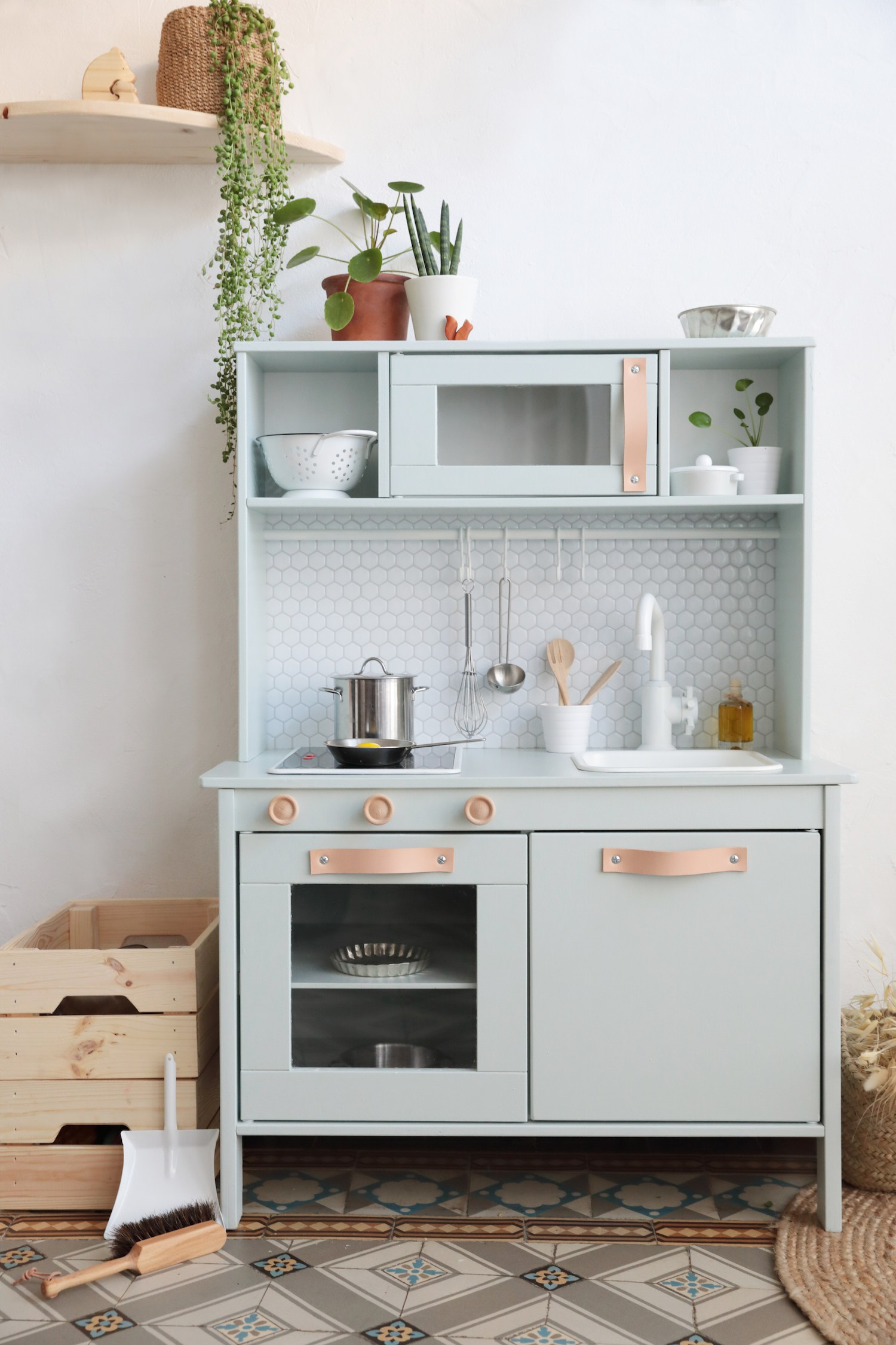 IKEA Play Kitchen - 7 DUKTIG Hacks  Apartment Therapy