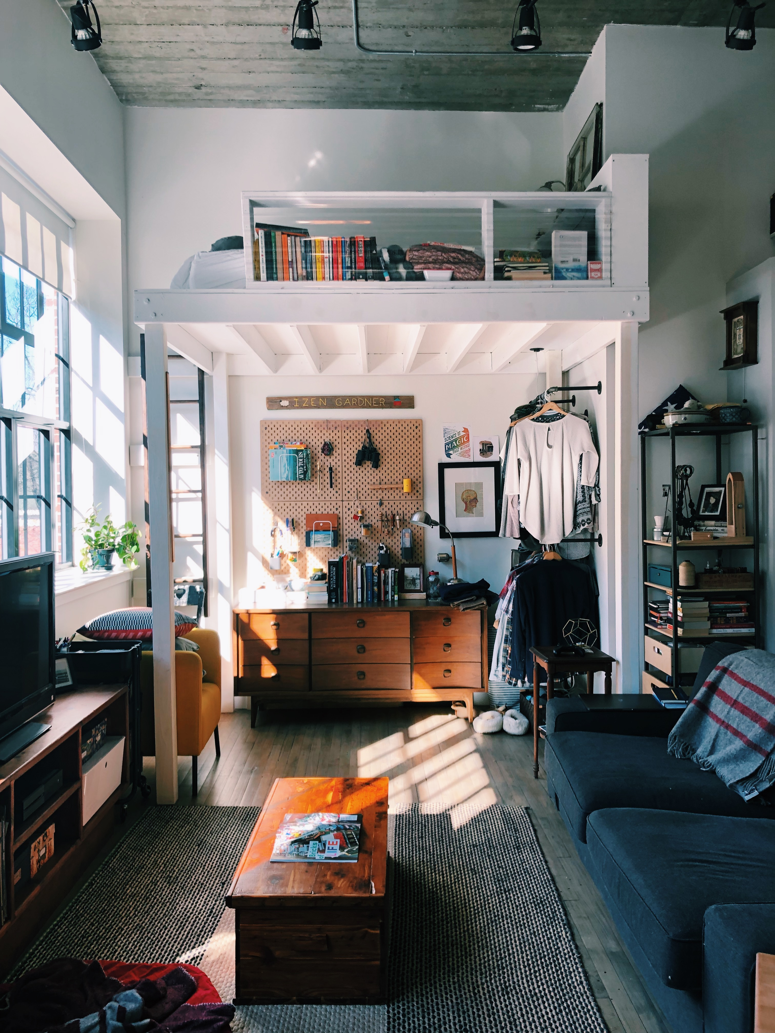 15 Diy Loft Bed Ideas How To Loft A Queen Full Or Twin Bed Apartment Therapy
