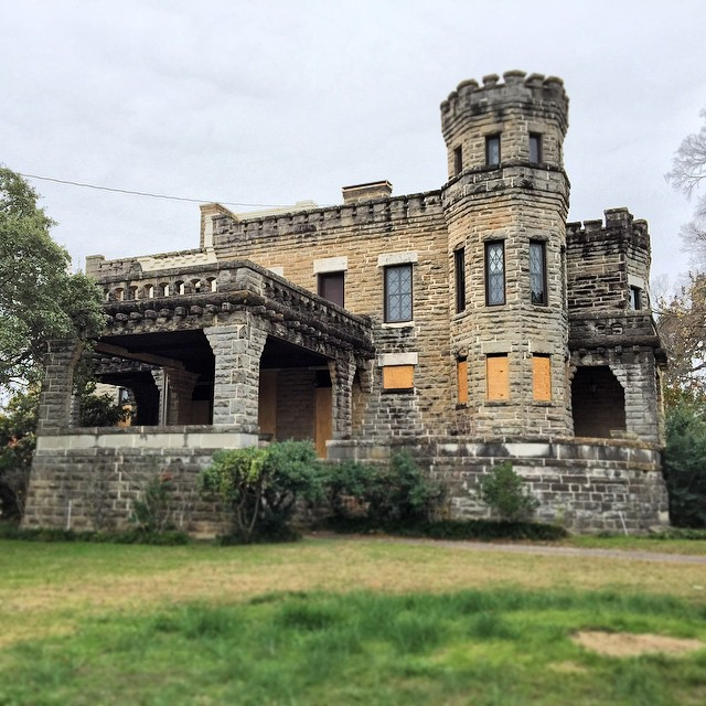 Chip Joanna Gaines Buy Waco Castle Apartment Therapy