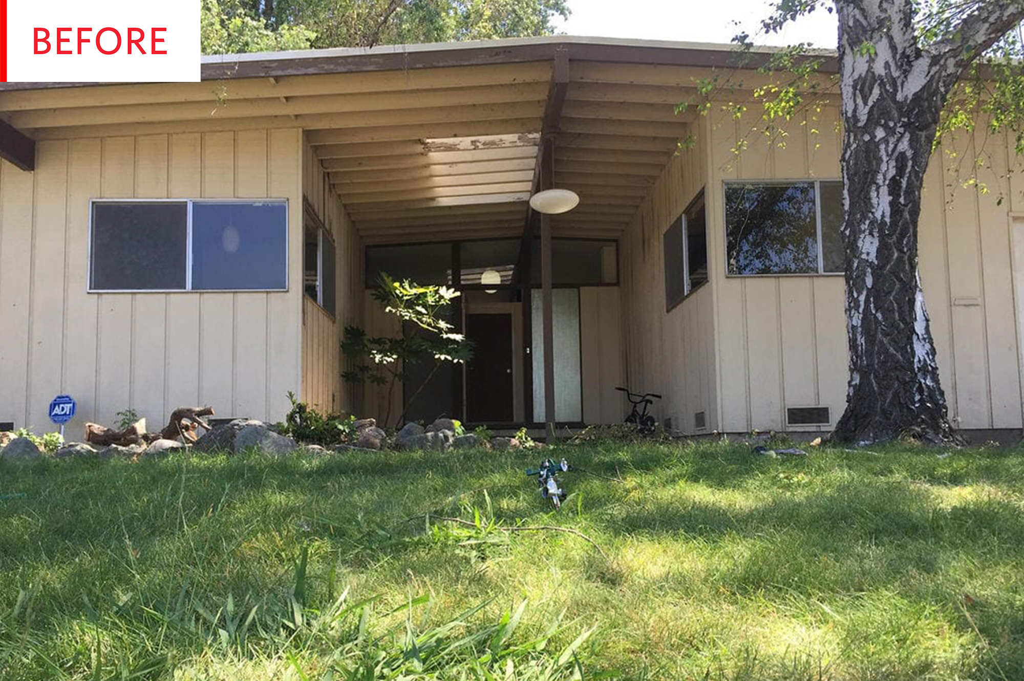 Mid Century Ranch Exterior House Paint After Photos Apartment Therapy