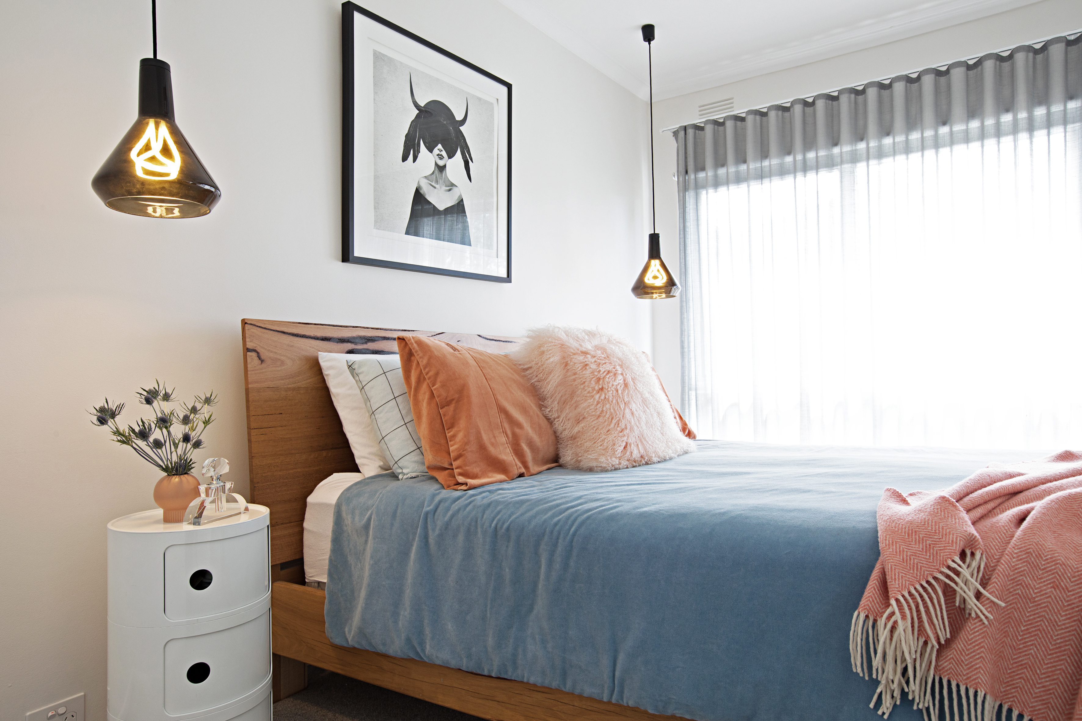 15 Small Bedroom Ideas - How to Decorate a Small Bedroom
