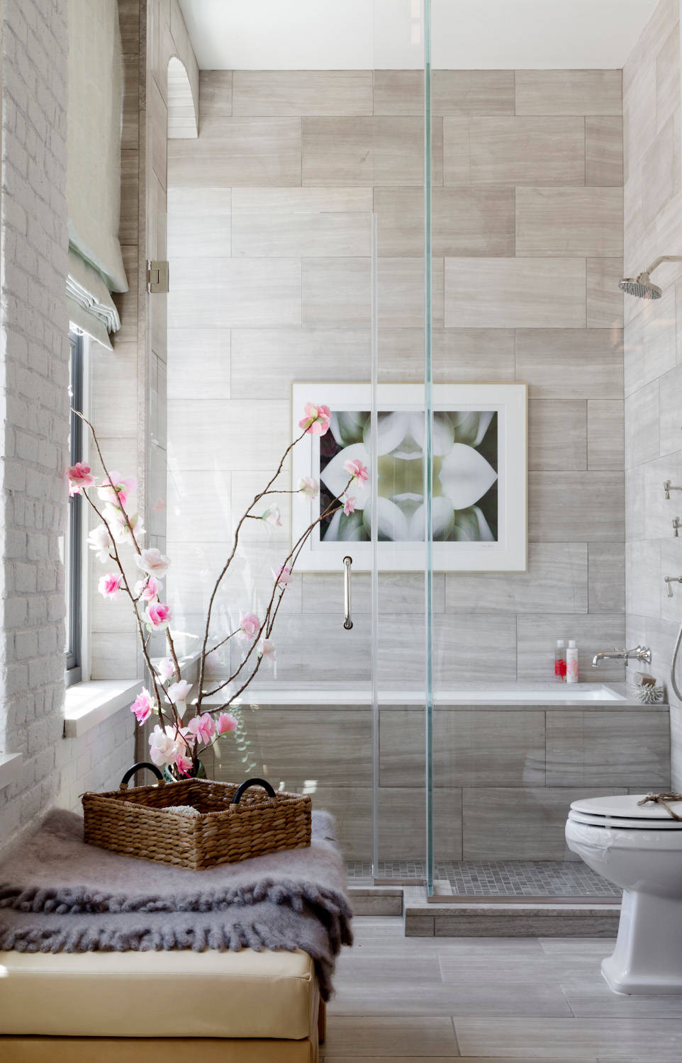5 Fresh Ways To Shake Up The Look Of A Bathtub Shower Combo Apartment Therapy
