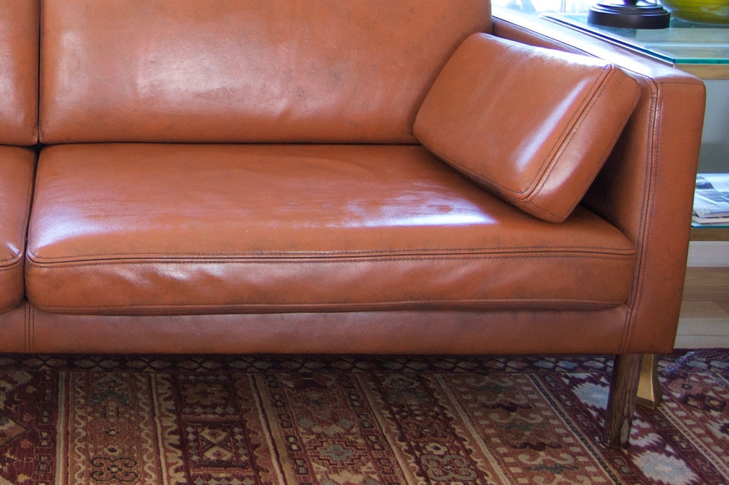 Picture of: Can You Paint A Leather Sofa Leather Furniture Paint How Tos Apartment Therapy