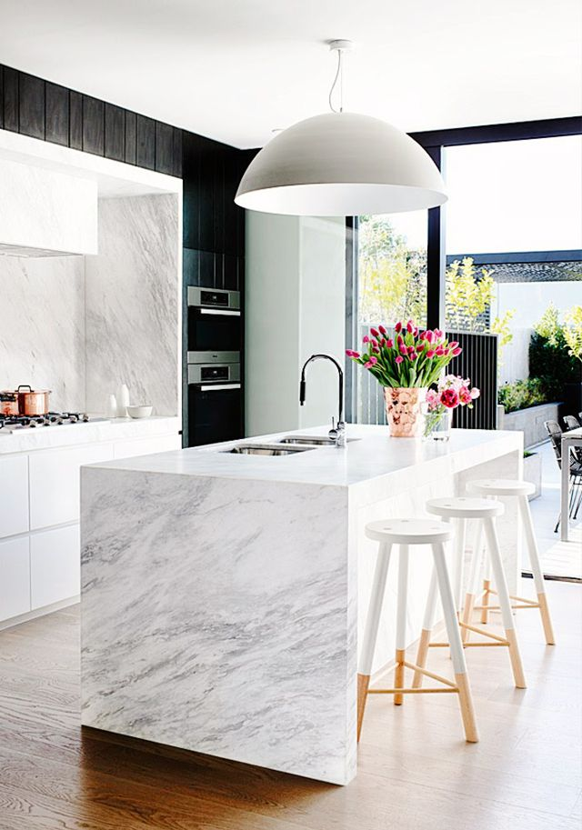 10 Badass Kitchens Rocking The Black Trend Right Now Apartment Therapy