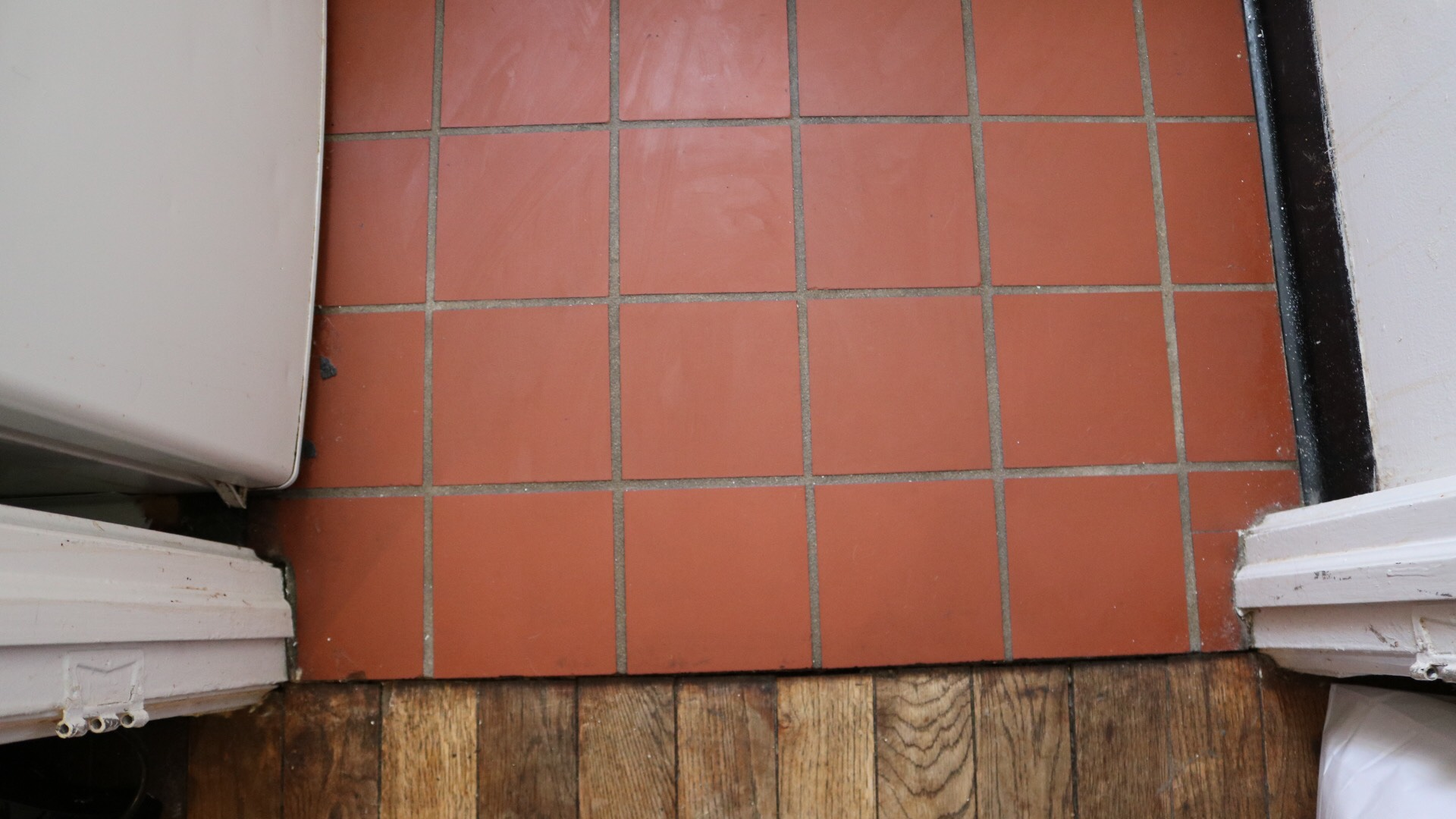 Peel And Stick Tiles A Cautionary Tale Apartment Therapy